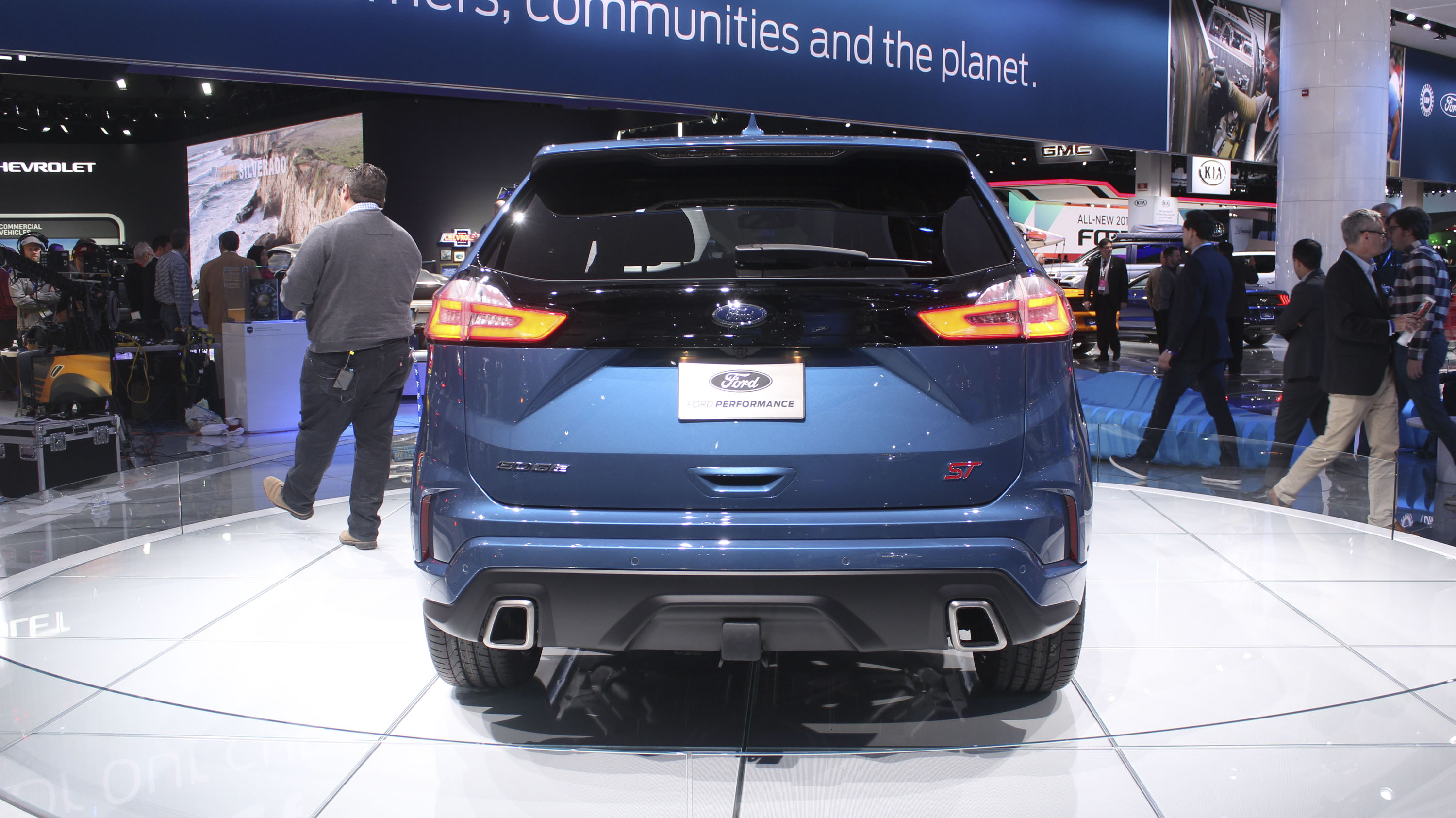 Ford Edge St Takes Detroit By Storm Top Speed