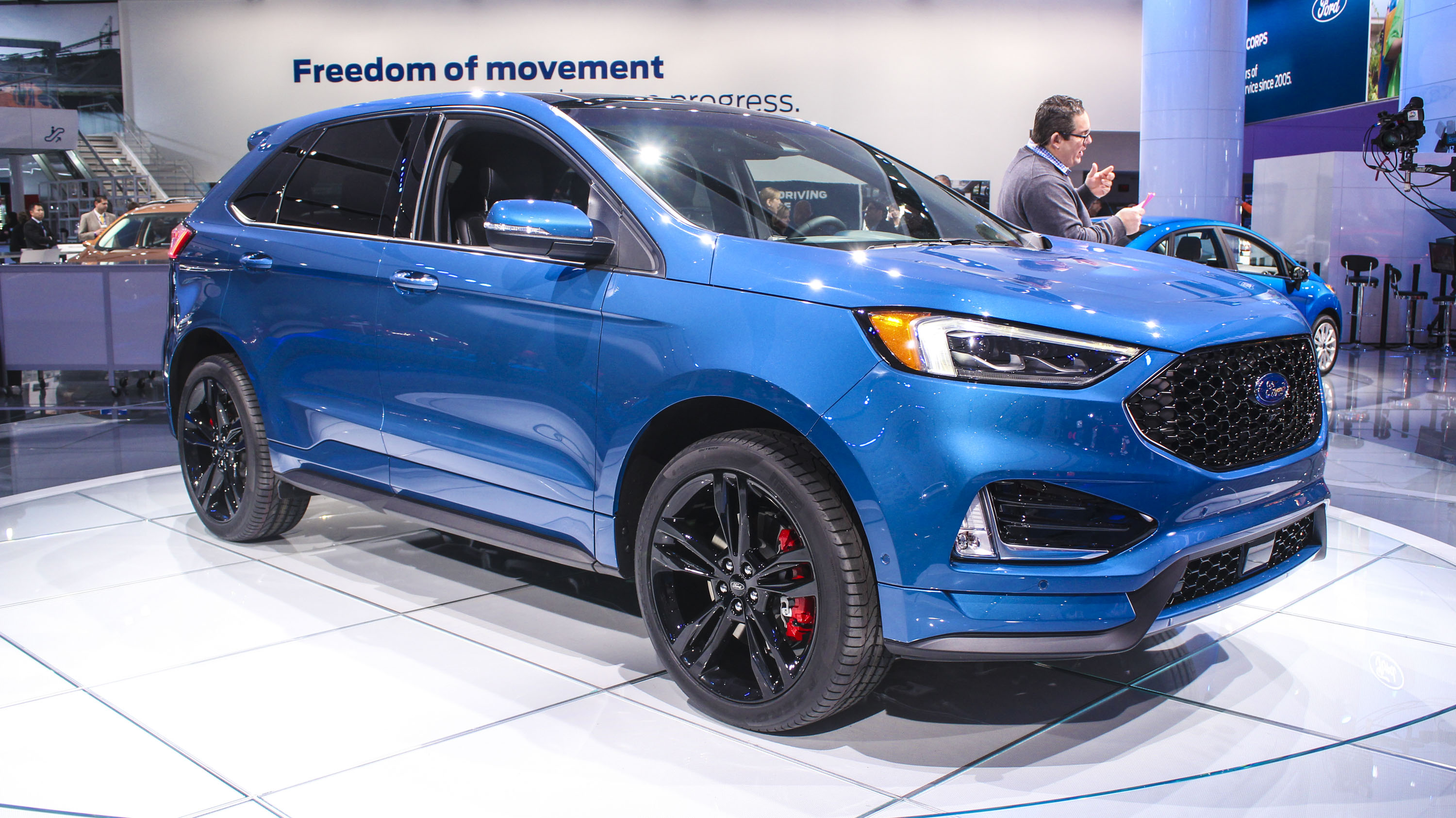 Ford Edge St Takes Detroit By Storm