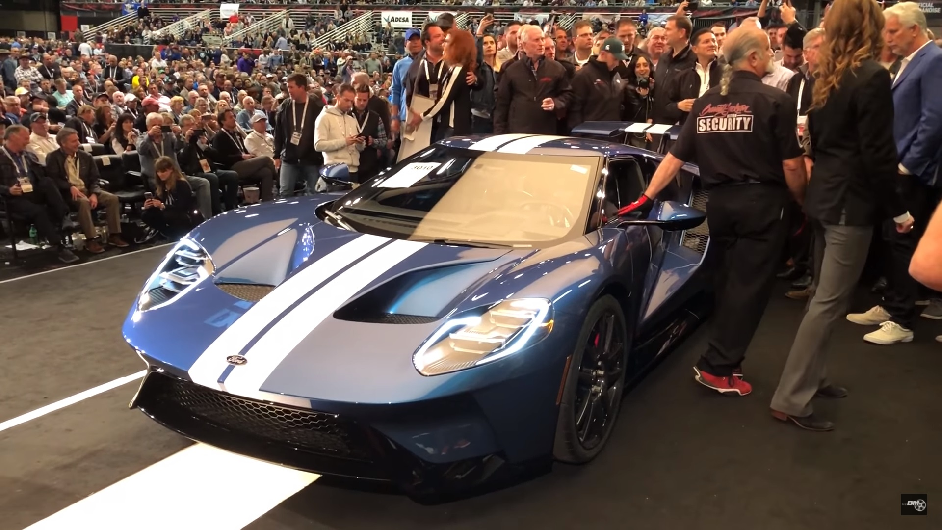 Ford Ford Auction >> Huge Donation Ford Gt Sells For 2 5 Million At Barrett