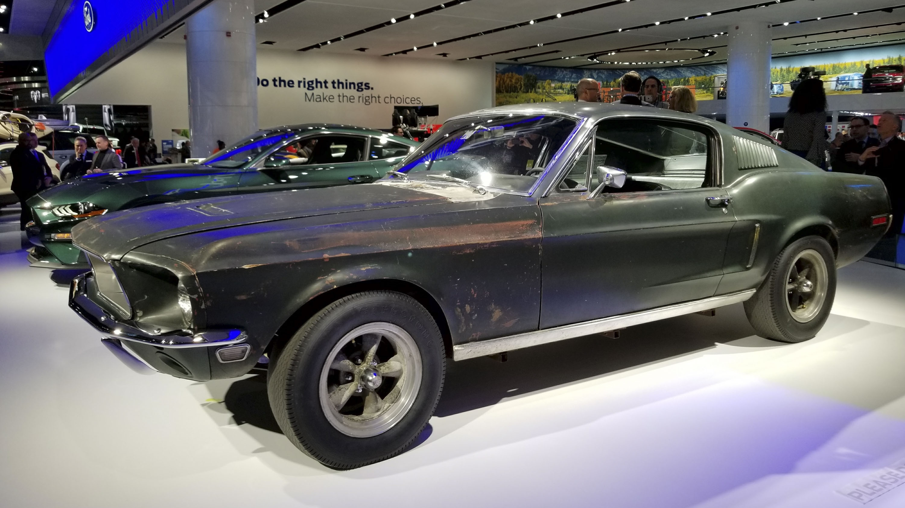 Og 1968 ford mustang bullitt shows up alongside 2019 mustang bullitt gets inducted into the national historic vehicle top speed