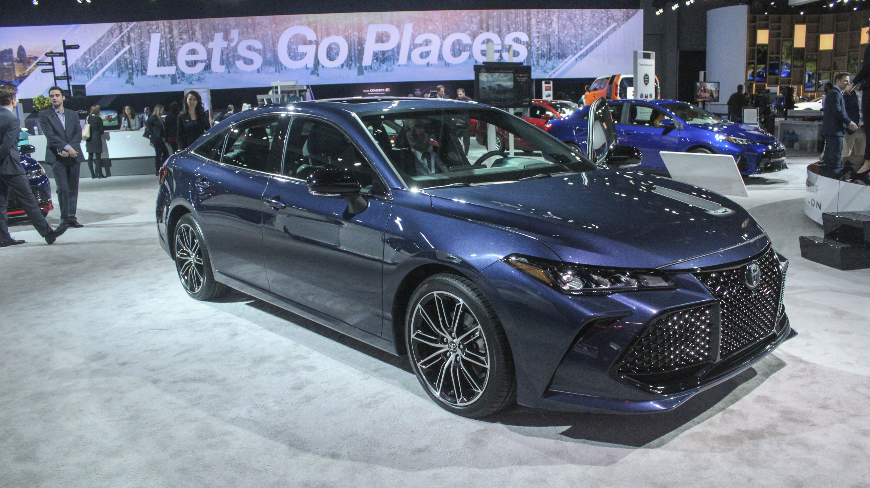 avalon sufficiently news looks autoevolution japanese toyota