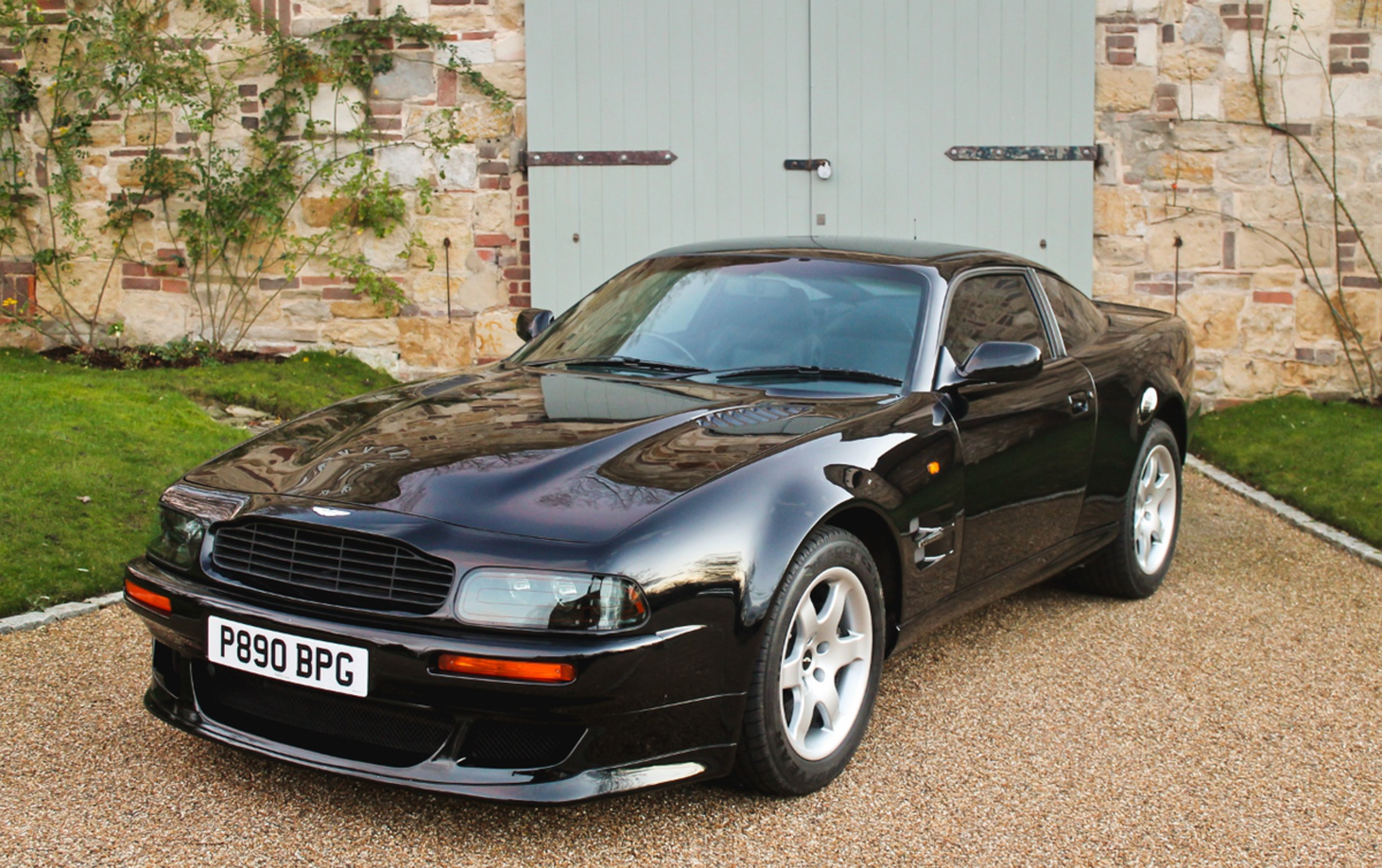 Car For Sale: Elton John\'s 1997 Aston Martin V8 Vantage V550 ...