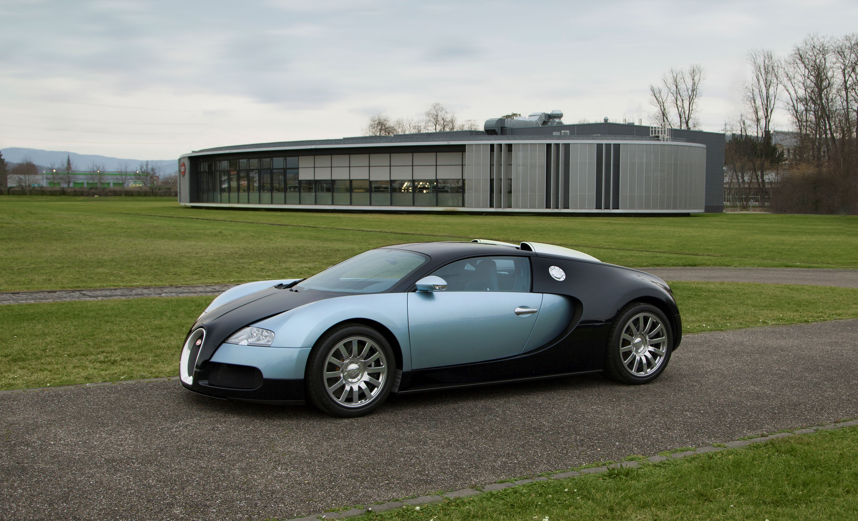 first world problems bugatti wants to take care of your. Black Bedroom Furniture Sets. Home Design Ideas