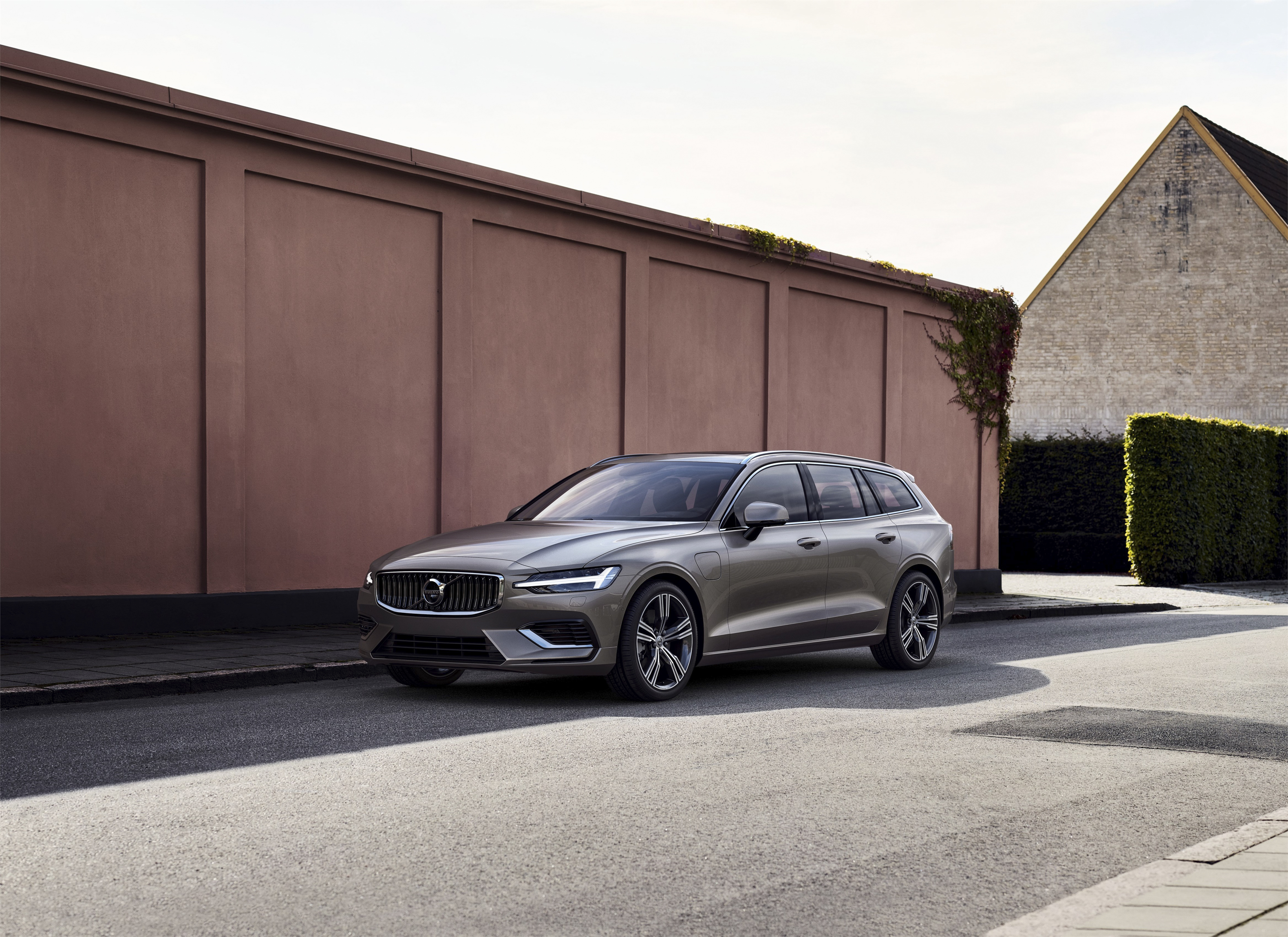 and release volvo date price car picture