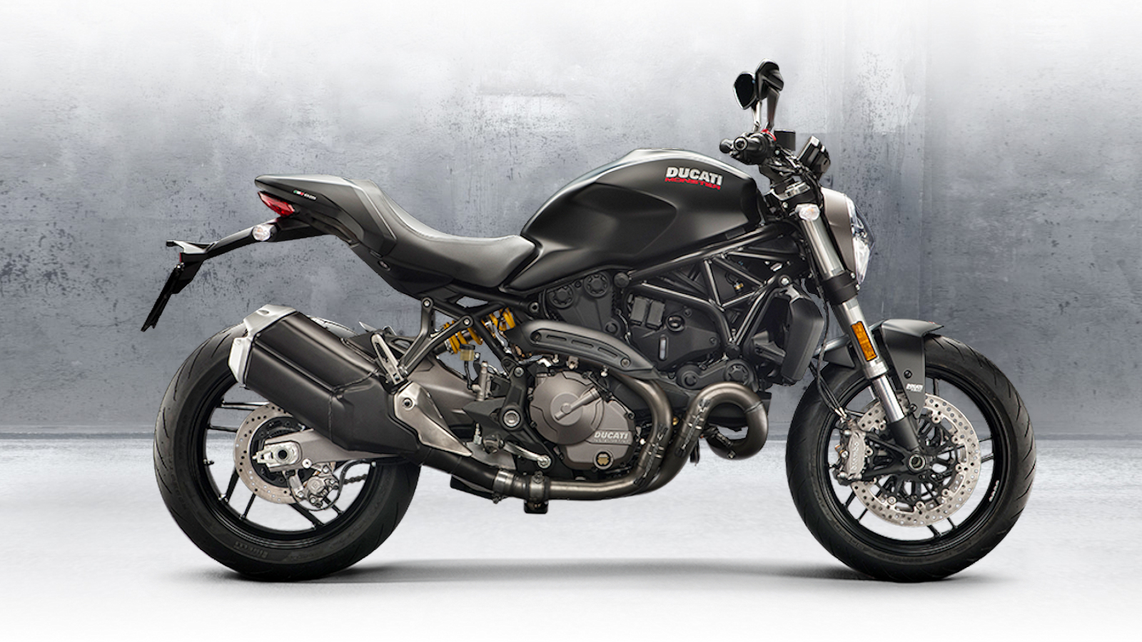 2018 Ducati Monster 821 | Top Speed. »