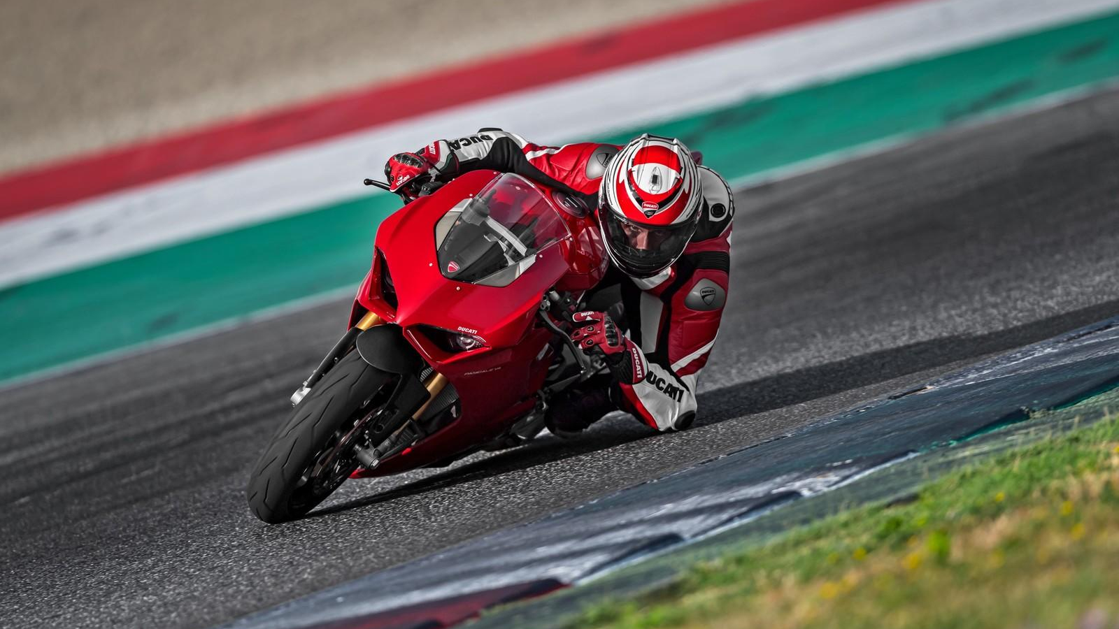 2018 Ducati Panigale V4 | Top Speed