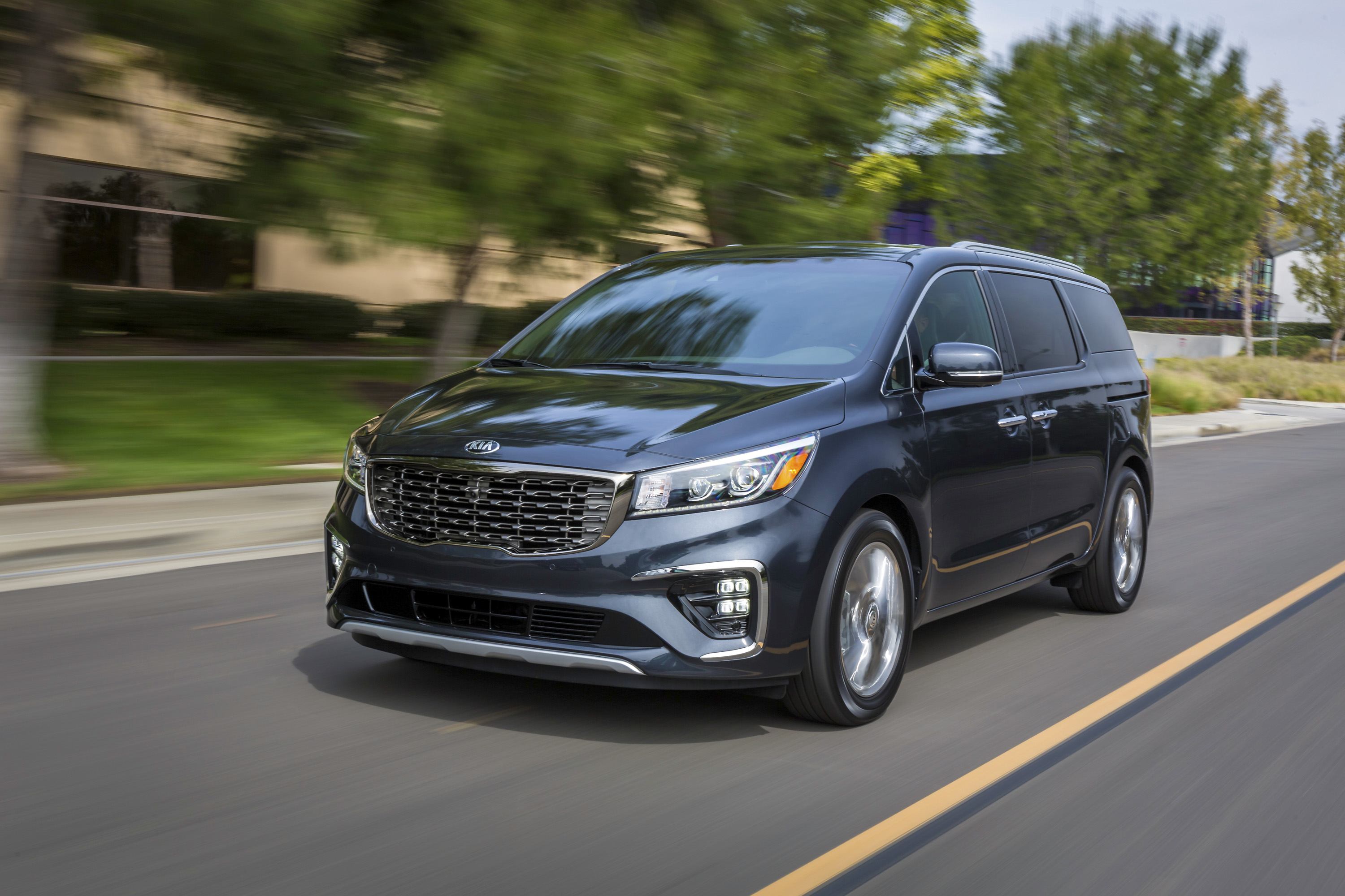 kia\u0027s updated sedona is pretty much about revised options and a newkia\u0027s updated sedona is pretty much about revised options and a new transmission