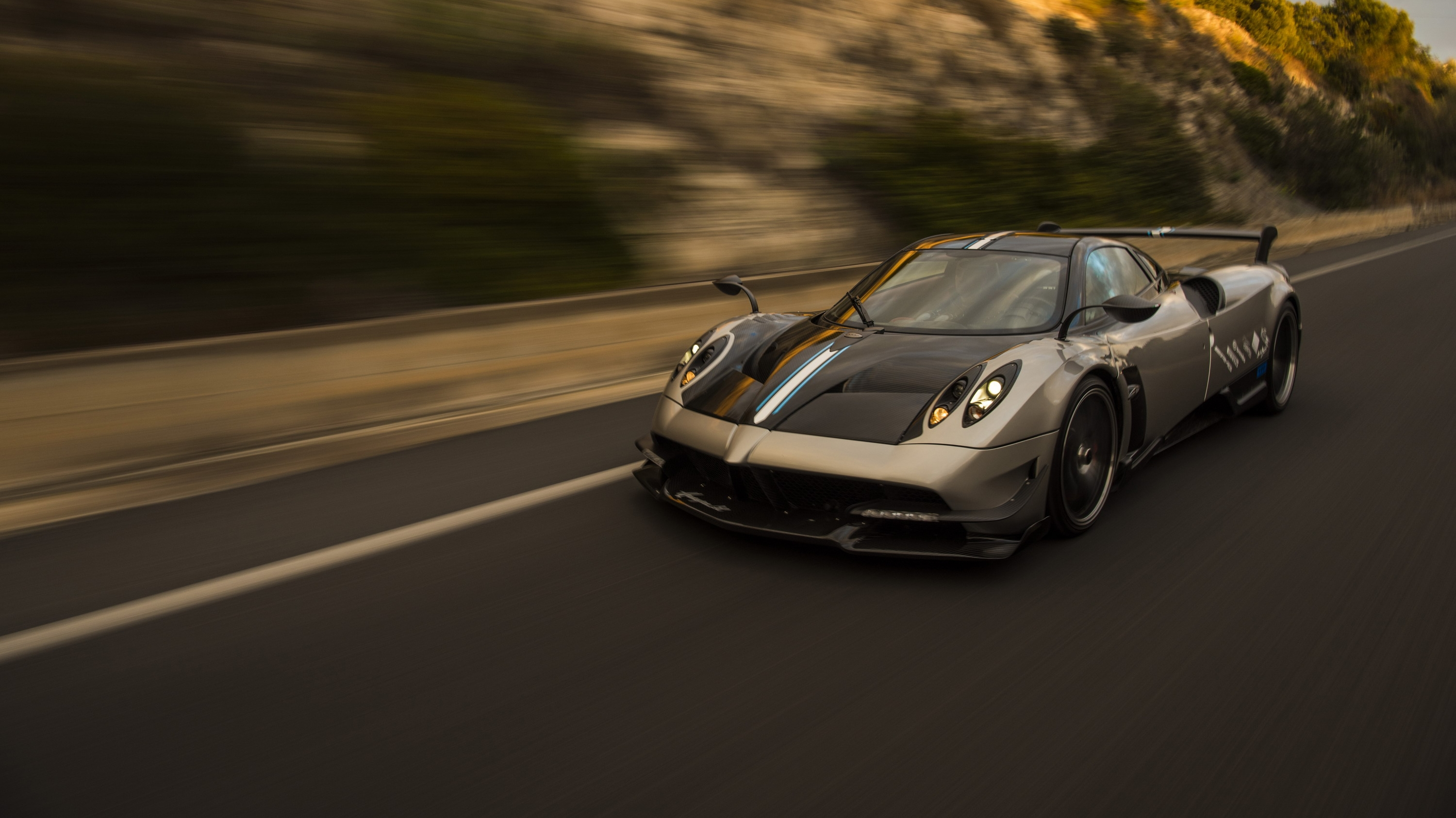 all pagani huayra bc and huayra roadster in america are being recalled pictures photos. Black Bedroom Furniture Sets. Home Design Ideas