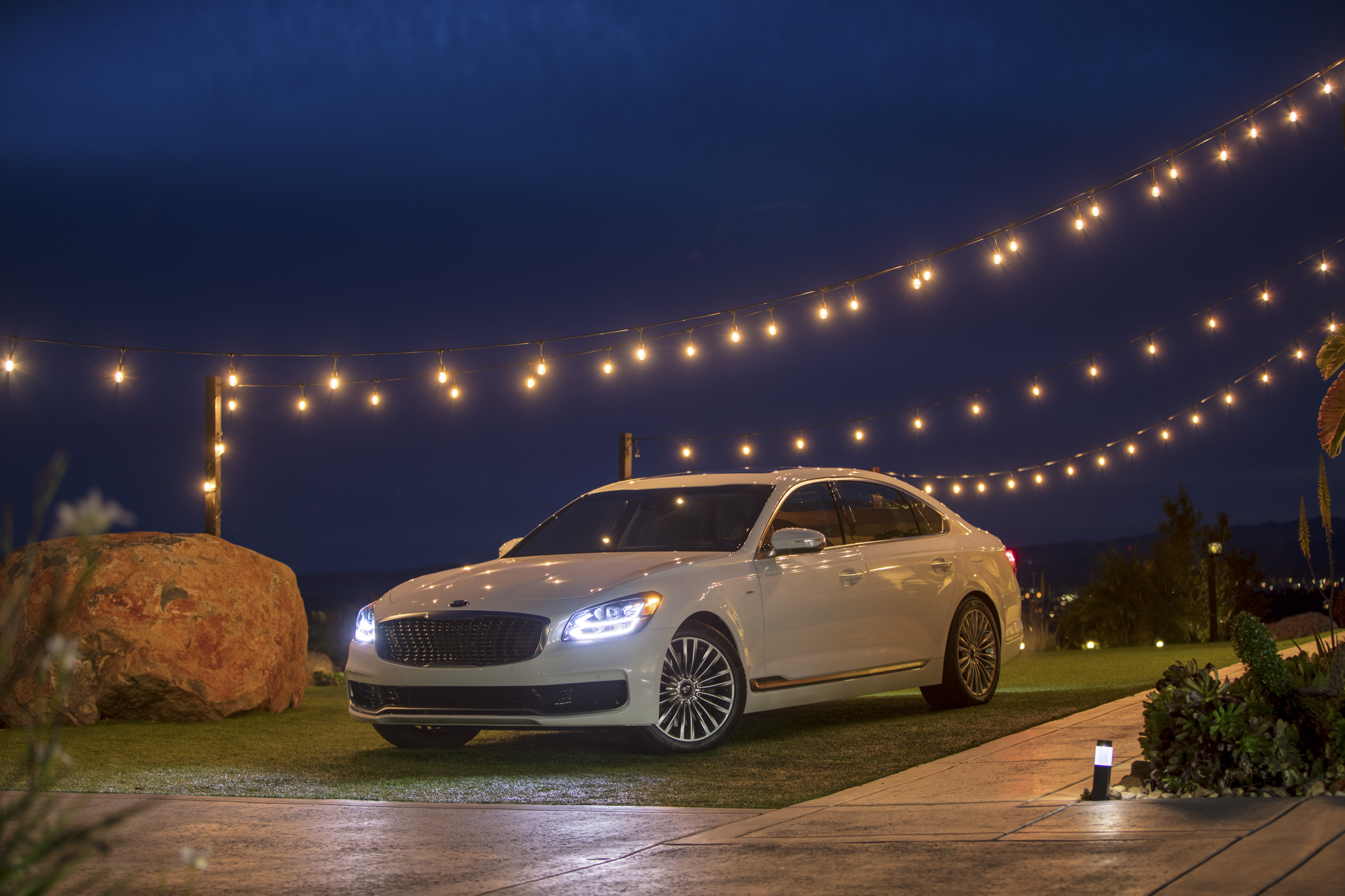 new york design adopts understated auto s news celebrates the nyias at large all default cost u kia debut heart show stinger and