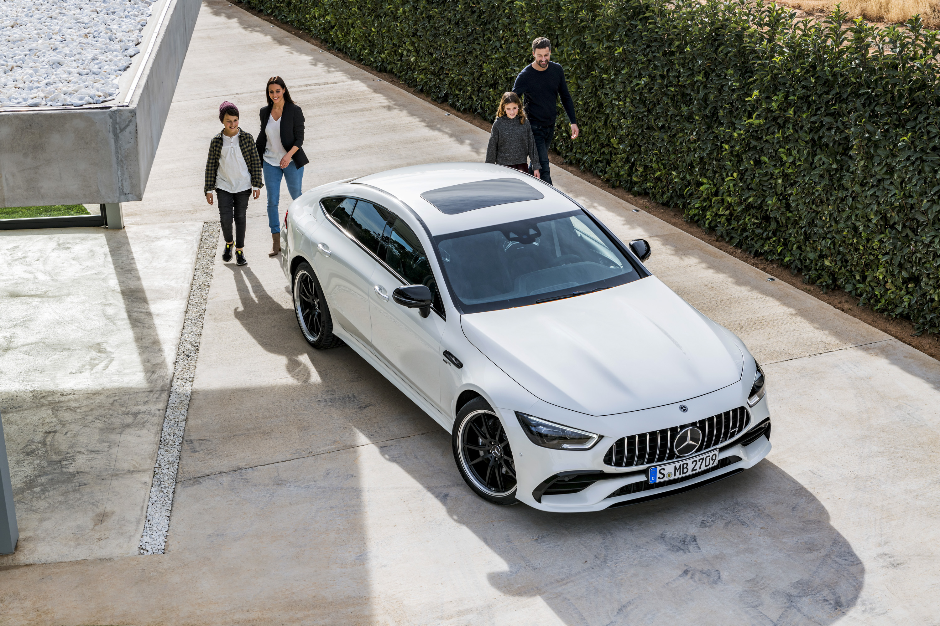 The Mercedes Amg Gt 4 Door Coupe Is Here And Its Basically A Cls Go Back Gallery For Cool Circuit Board Design With More Power Top Speed