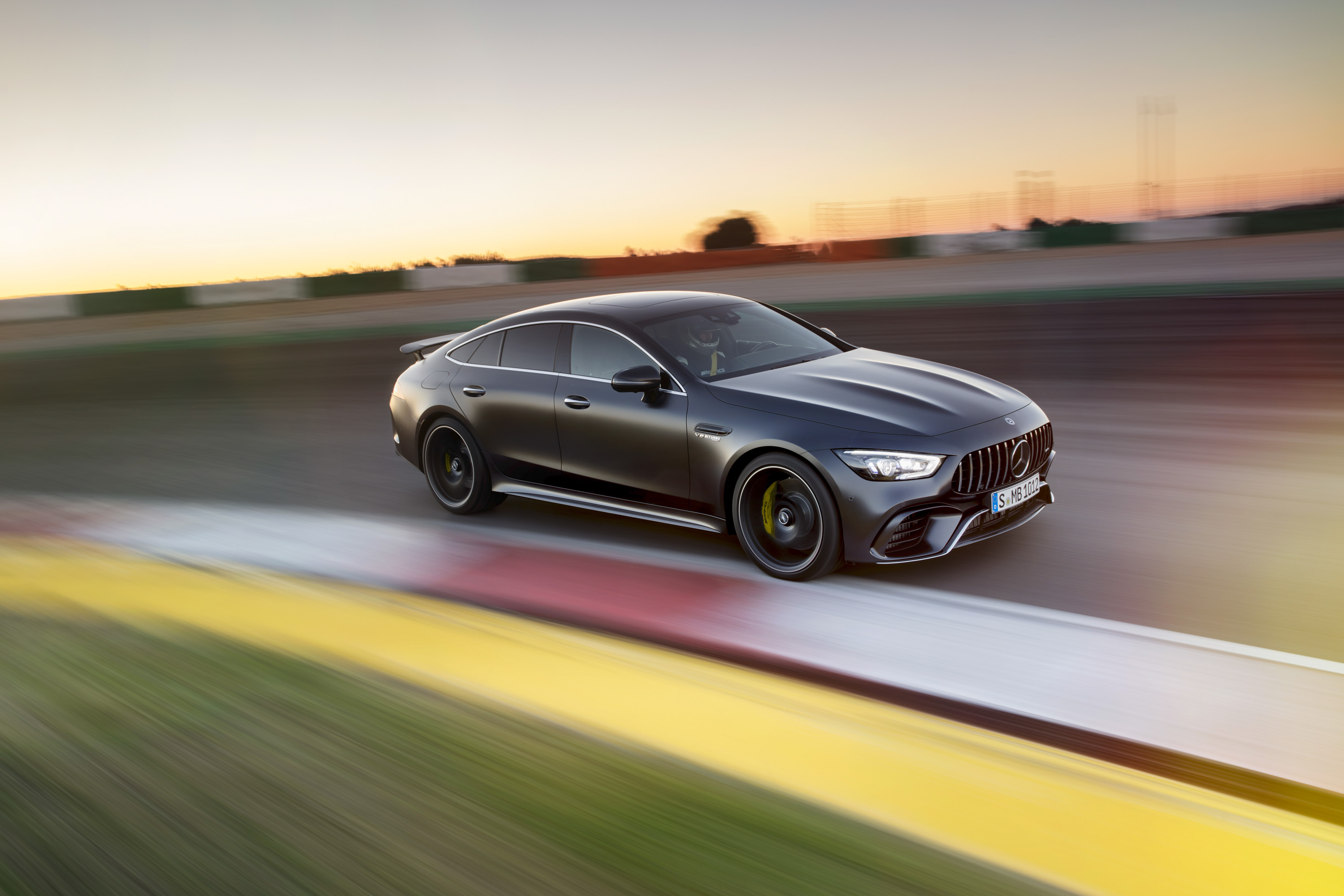 2019 mercedes amg gt 4 door coupe top speed. Black Bedroom Furniture Sets. Home Design Ideas