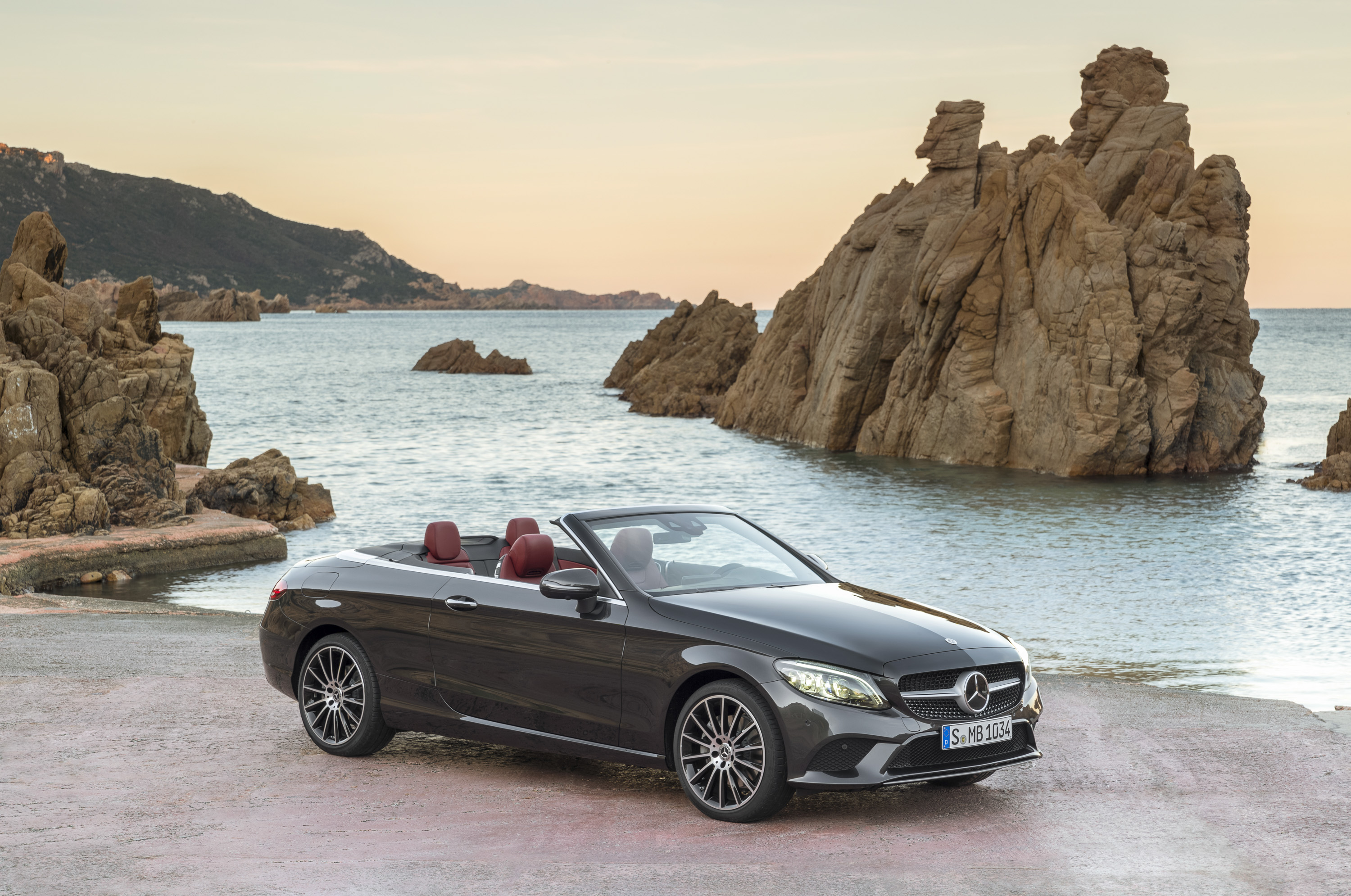 2019 Mercedes-Benz C-Class Cabriolet | Top Speed