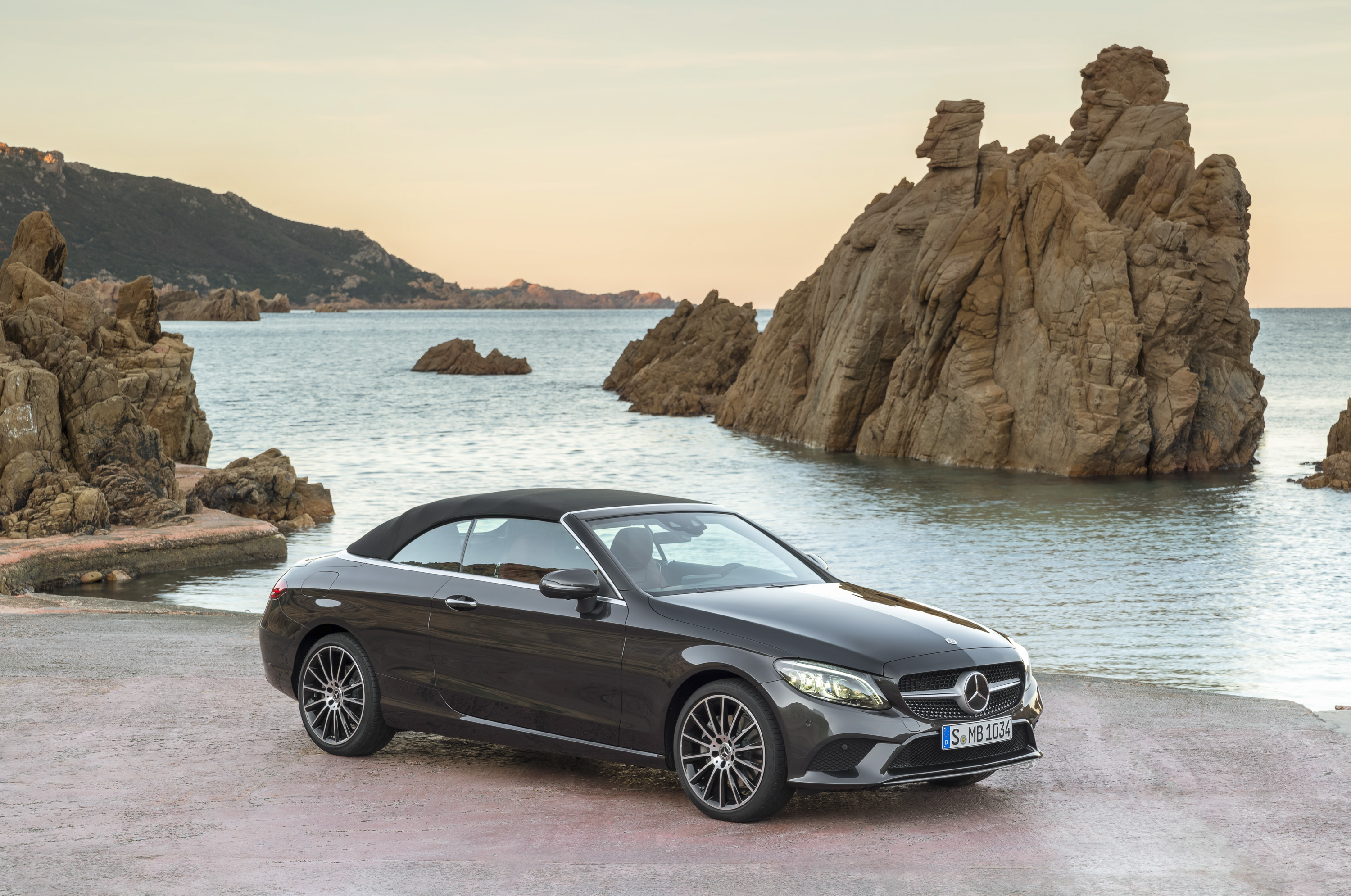 2019 mercedes benz c class cabriolet top speed. Black Bedroom Furniture Sets. Home Design Ideas