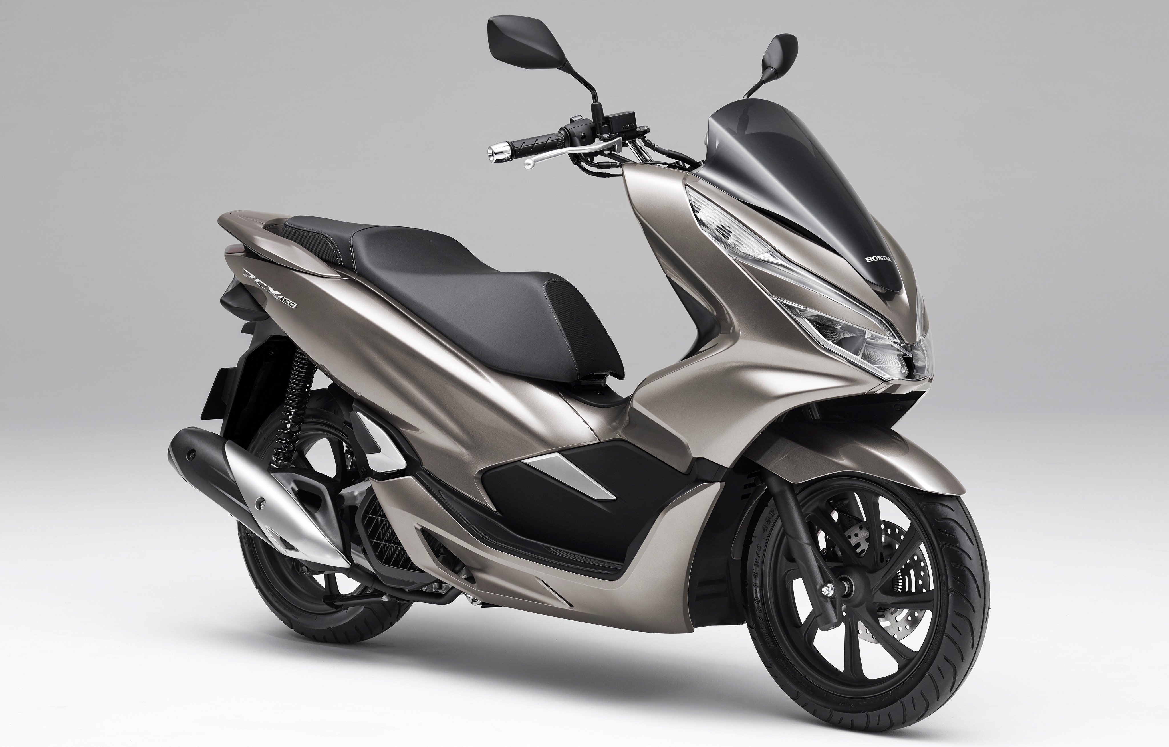 honda gave the pcx 150 a fresh new update top speed. Black Bedroom Furniture Sets. Home Design Ideas