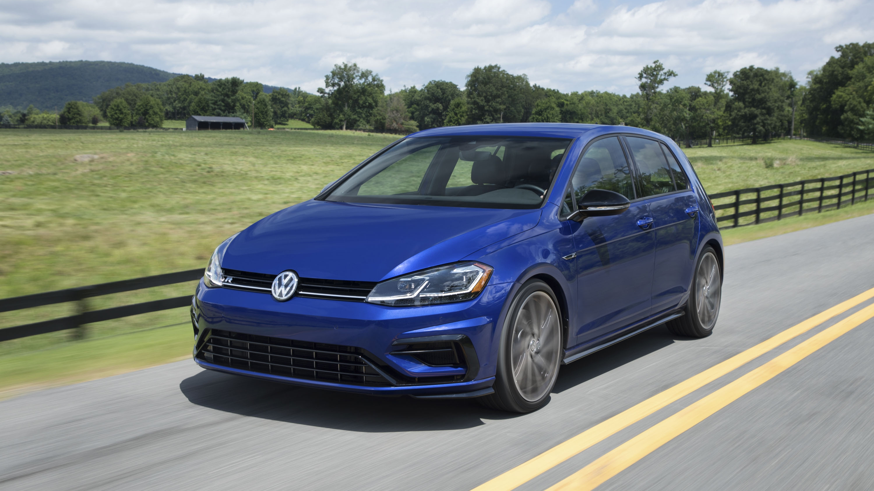 2018 Volkswagen Golf R Pictures, Photos, Wallpapers.