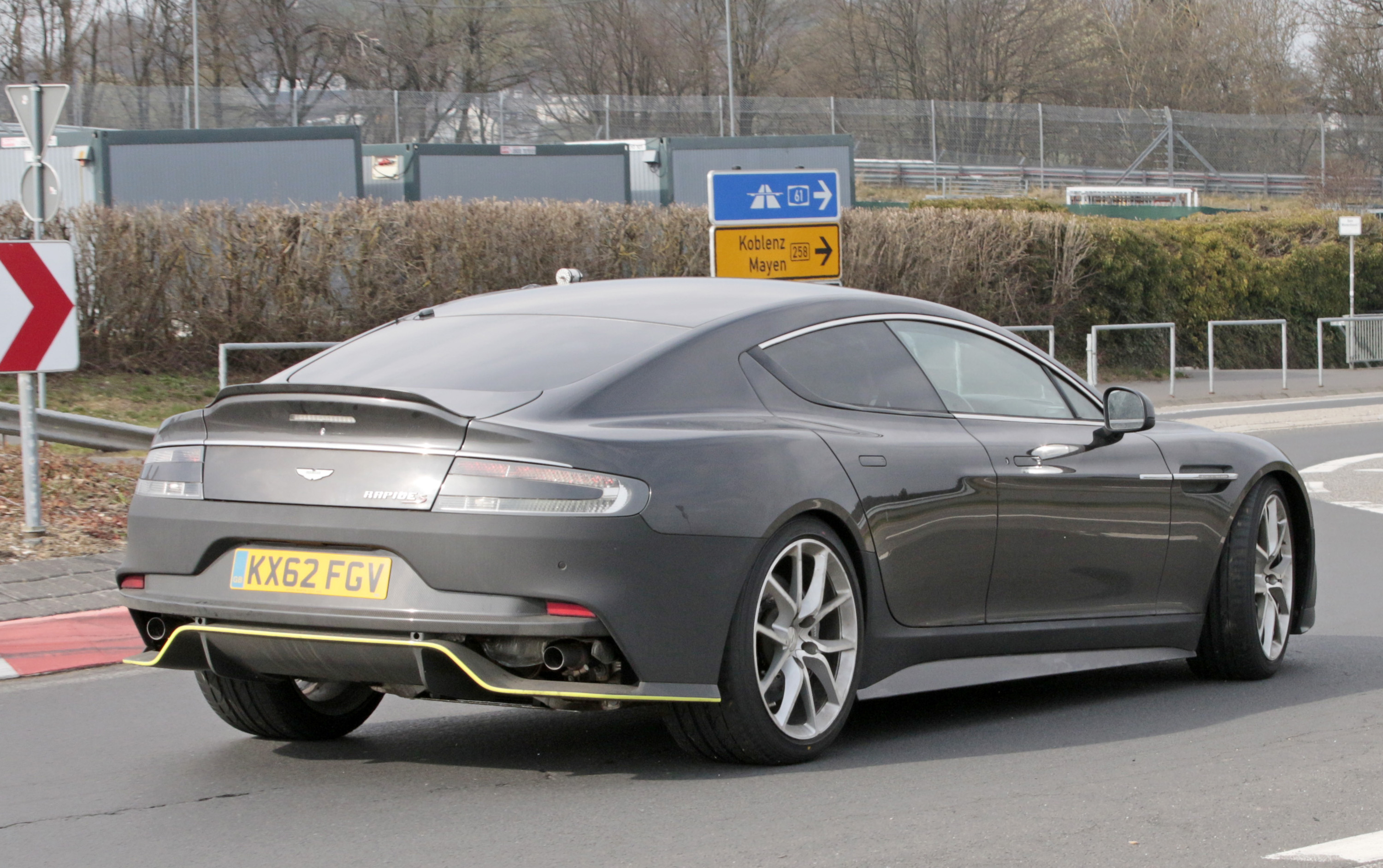 Aston Martin Rapide AMR Top Speed - Aston martin four door