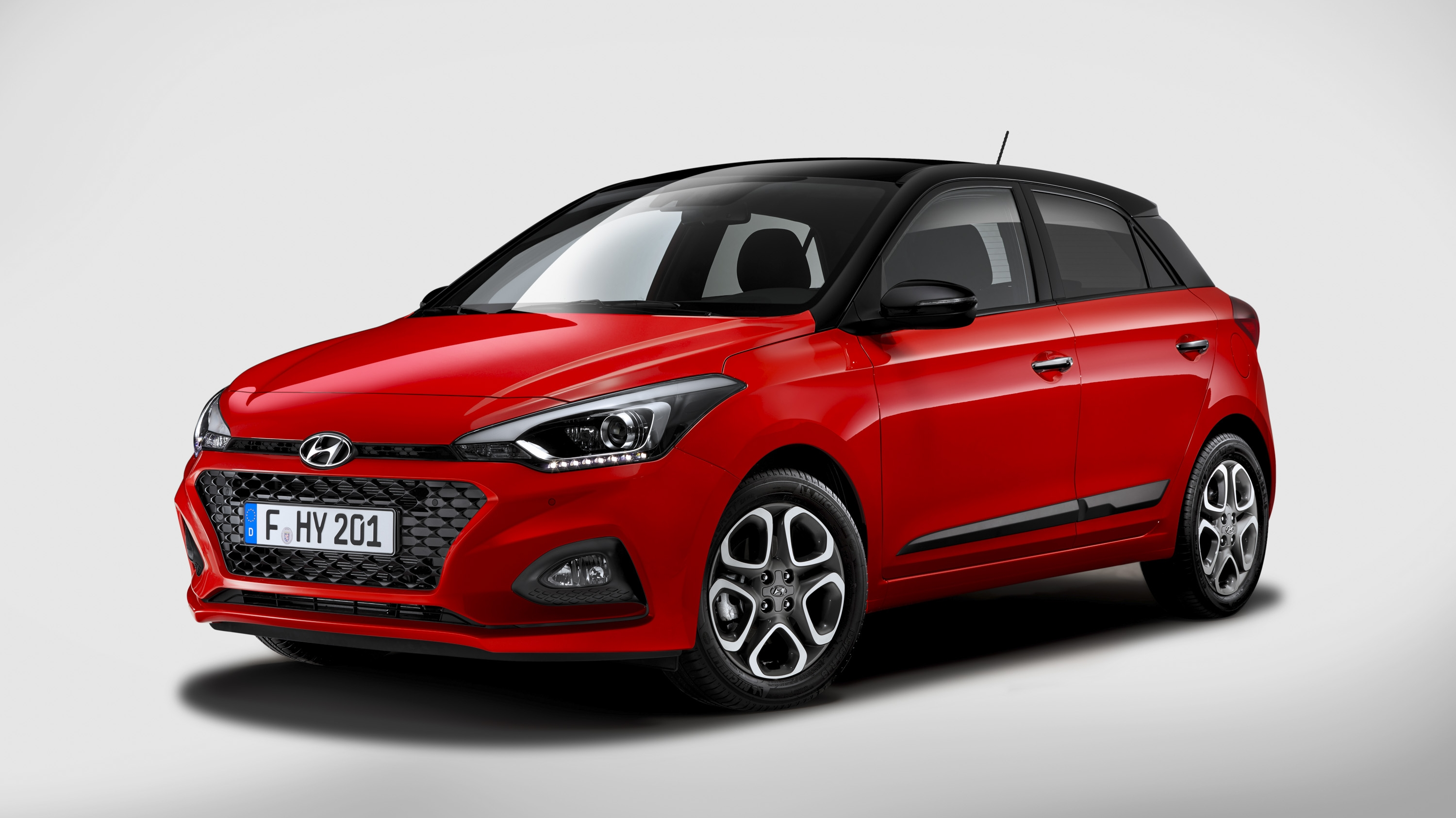 hyundai i20 updated with bold design and new tech. Black Bedroom Furniture Sets. Home Design Ideas