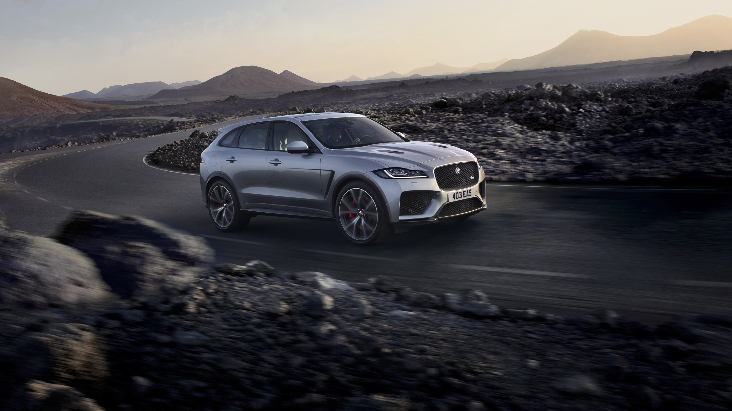 Wallpaper Of The Day 2018 Jaguar F Pace Svr Top Speed