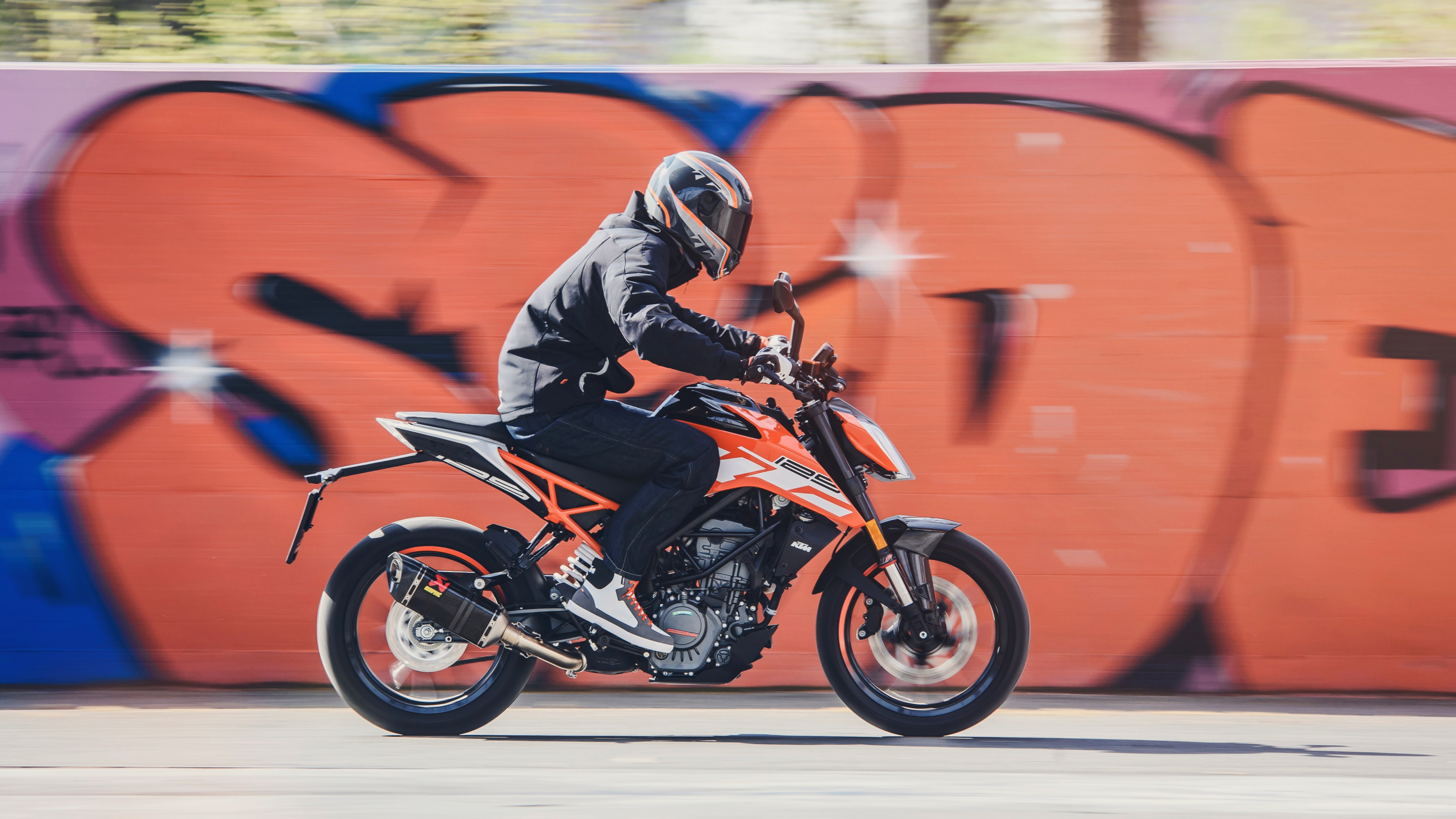 2017 2018 ktm 125 duke pictures photos wallpapers top speed. Black Bedroom Furniture Sets. Home Design Ideas