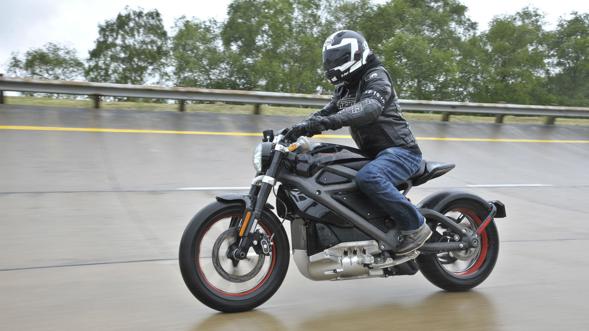 Harley-Davidson\'s All-Electric LiveWire To Hit The Streets | Top Speed