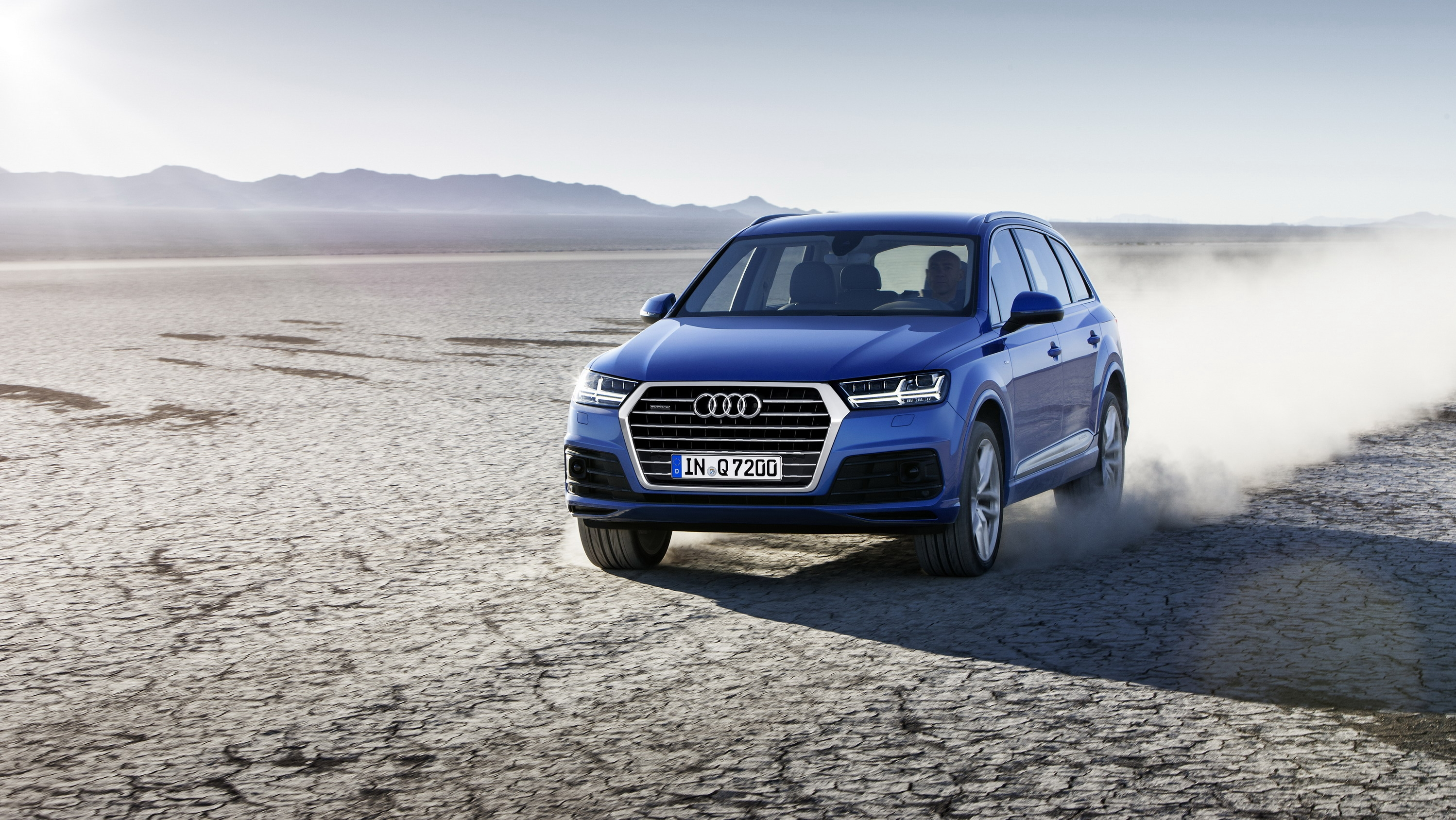 Wallpaper Of The Day 2018 Audi Q7 Pictures Photos Wallpapers