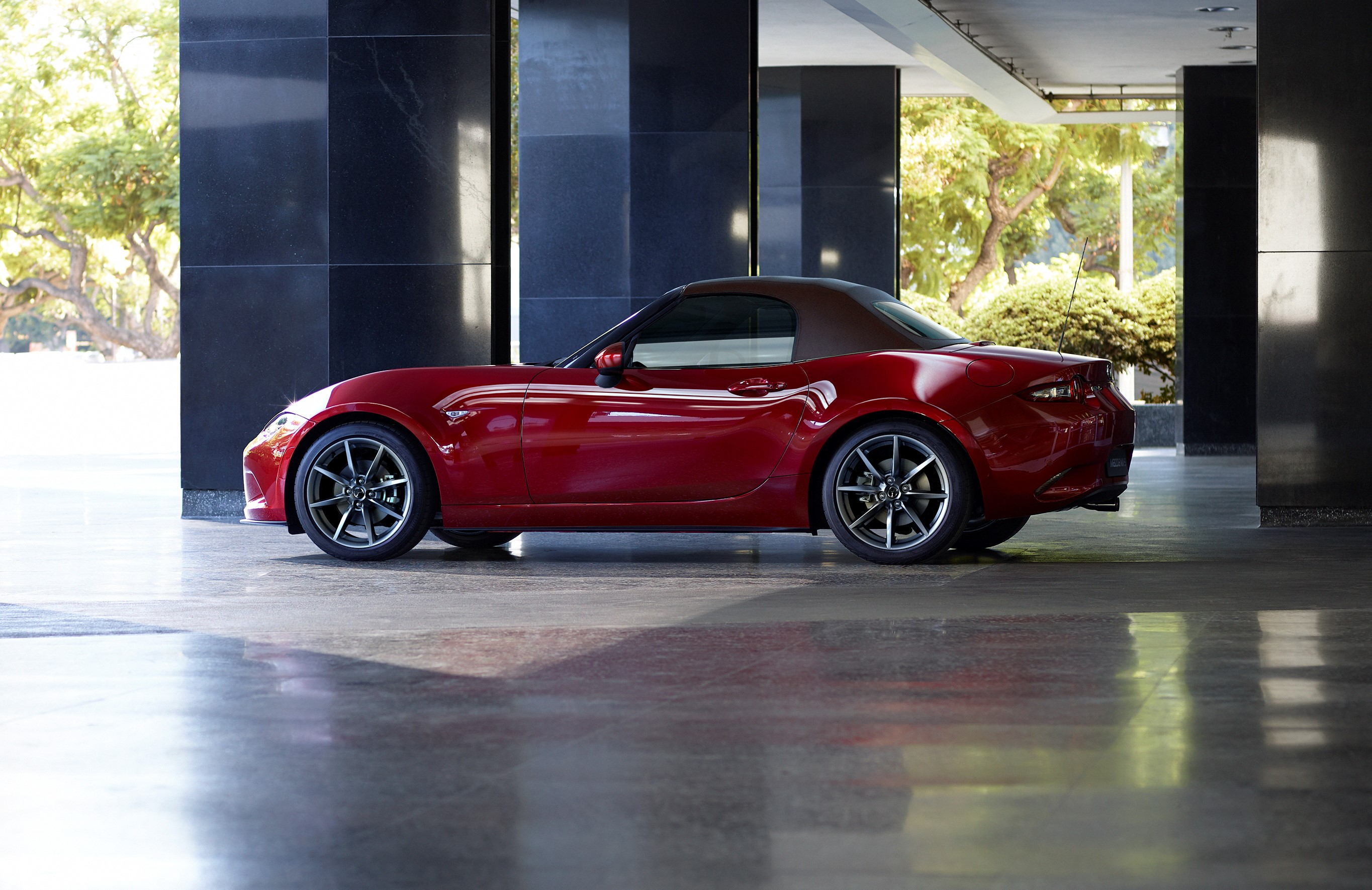 It S Official The 2019 Mazda Mx 5 Comes With A More