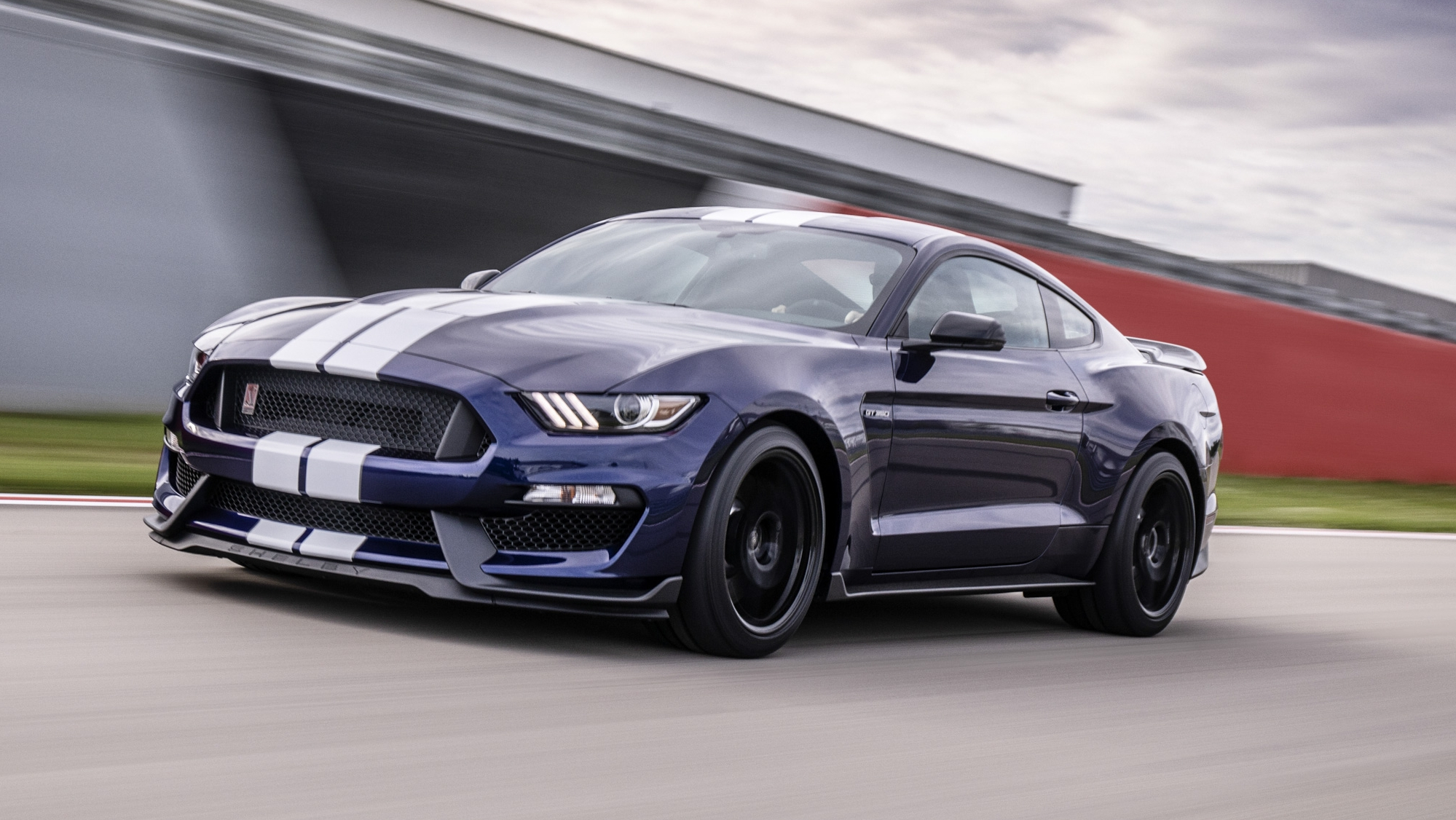 Ford Infuses The 2019 Mustang Shelby GT350 With Racing And GT500 DNA Pictures, Photos ...