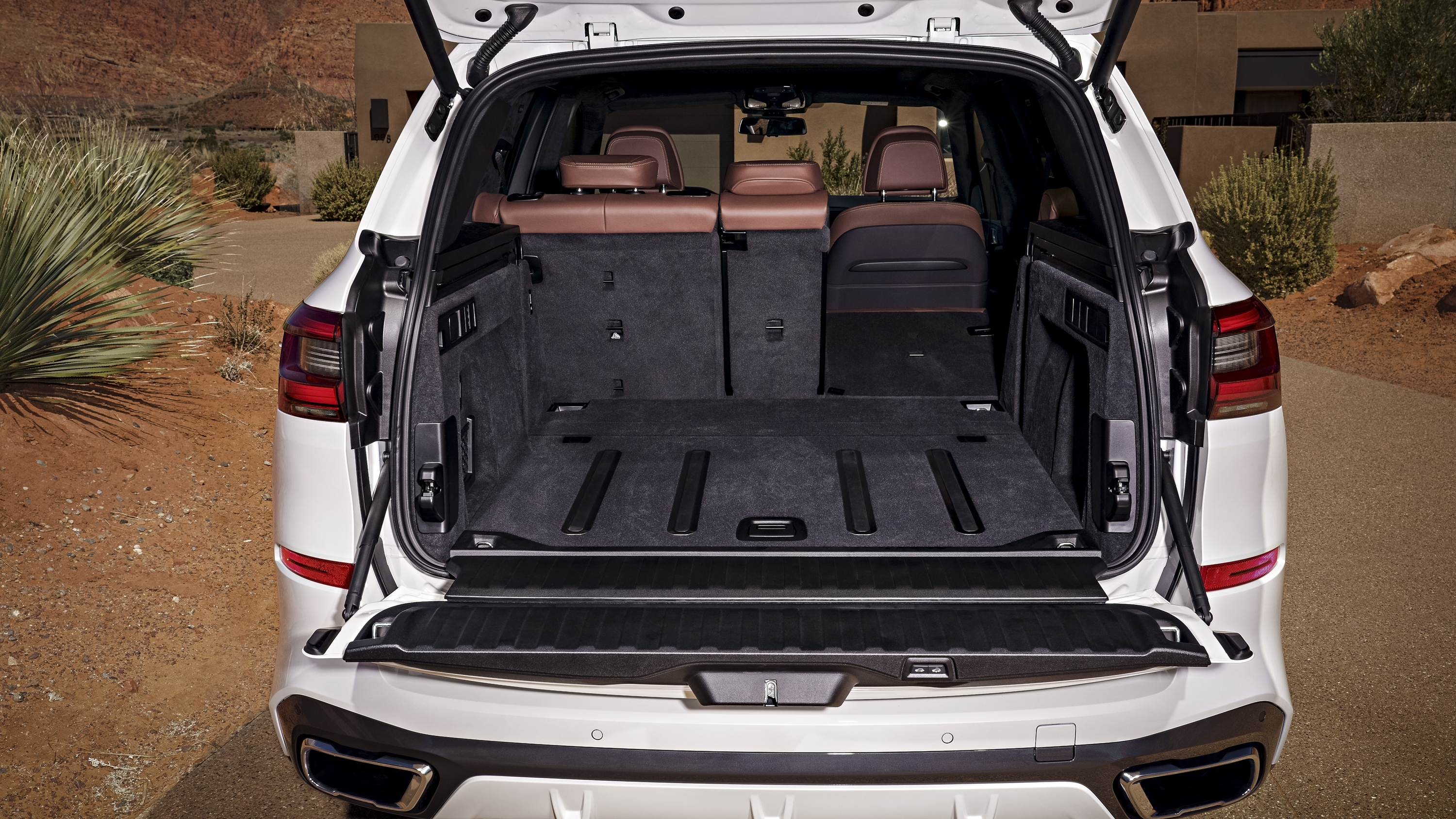 The 2019 Bmw X5 S Electric Boot Cover Is The Definition Of
