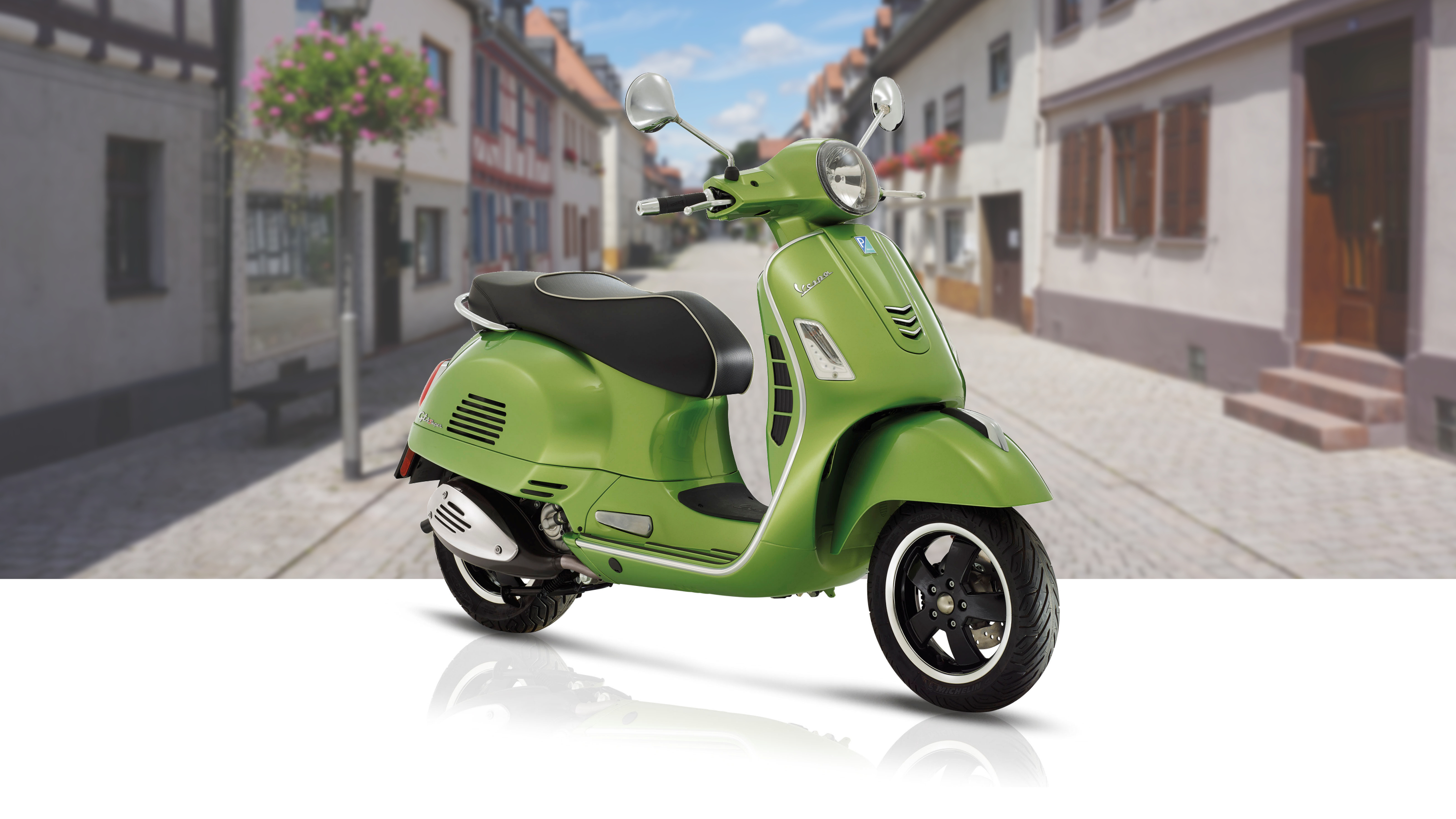 2018 vespa gts super 300 gts super 300 sport pictures. Black Bedroom Furniture Sets. Home Design Ideas