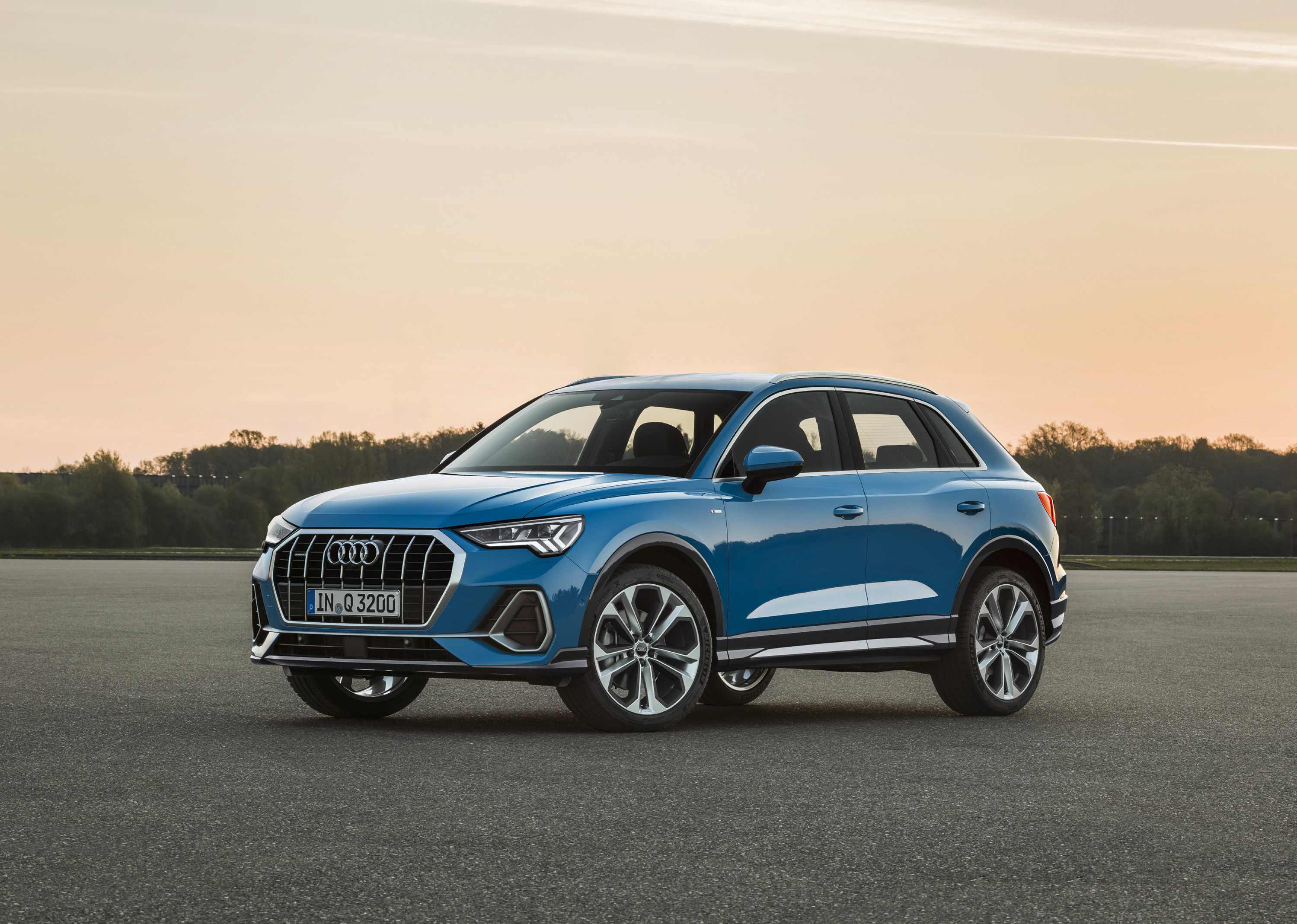 Audi Q3: photos, specifications, car features and reviews of owners 77