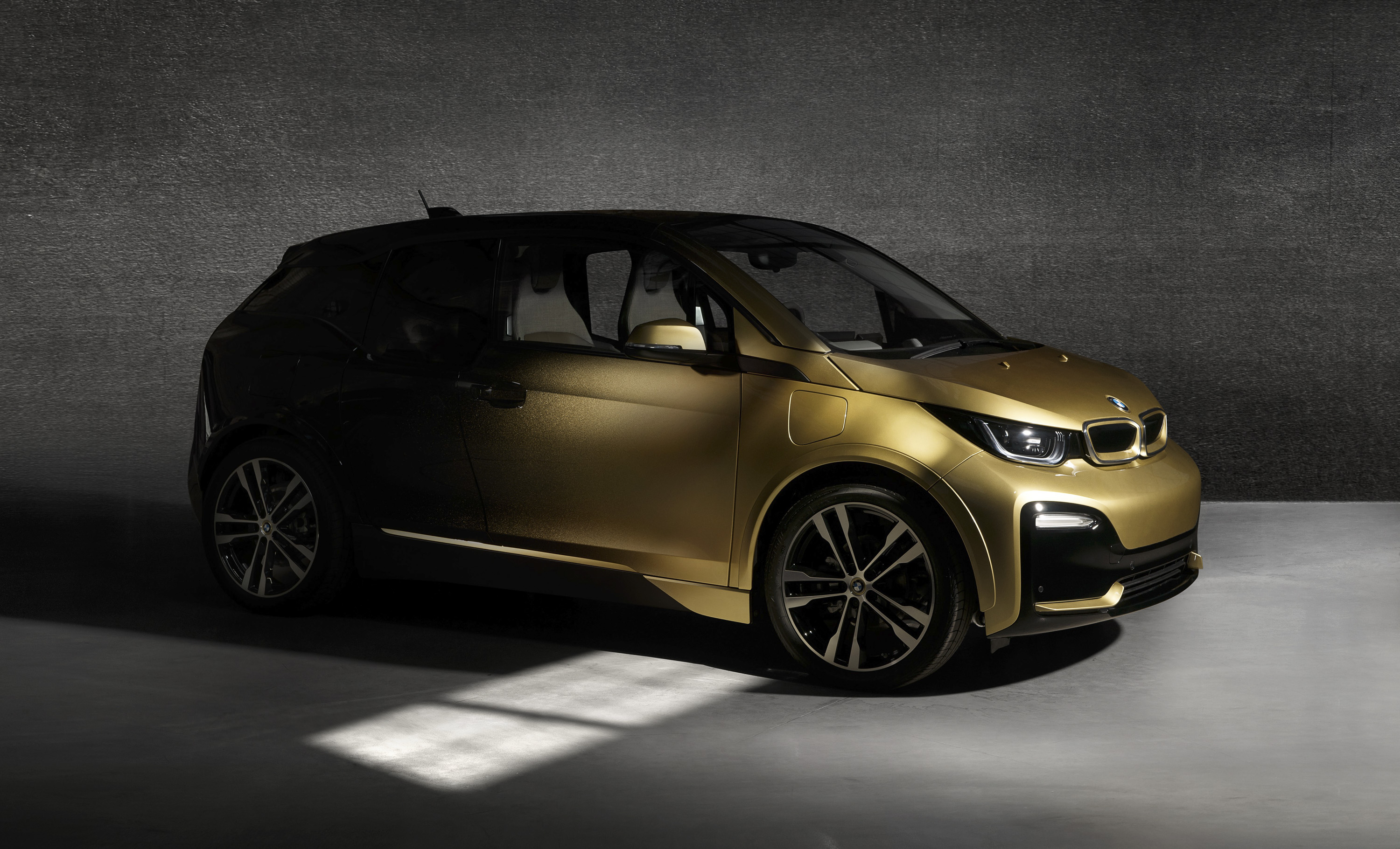 Golden Bmw I3 And I8 Starlight Edition Revealed Top Speed