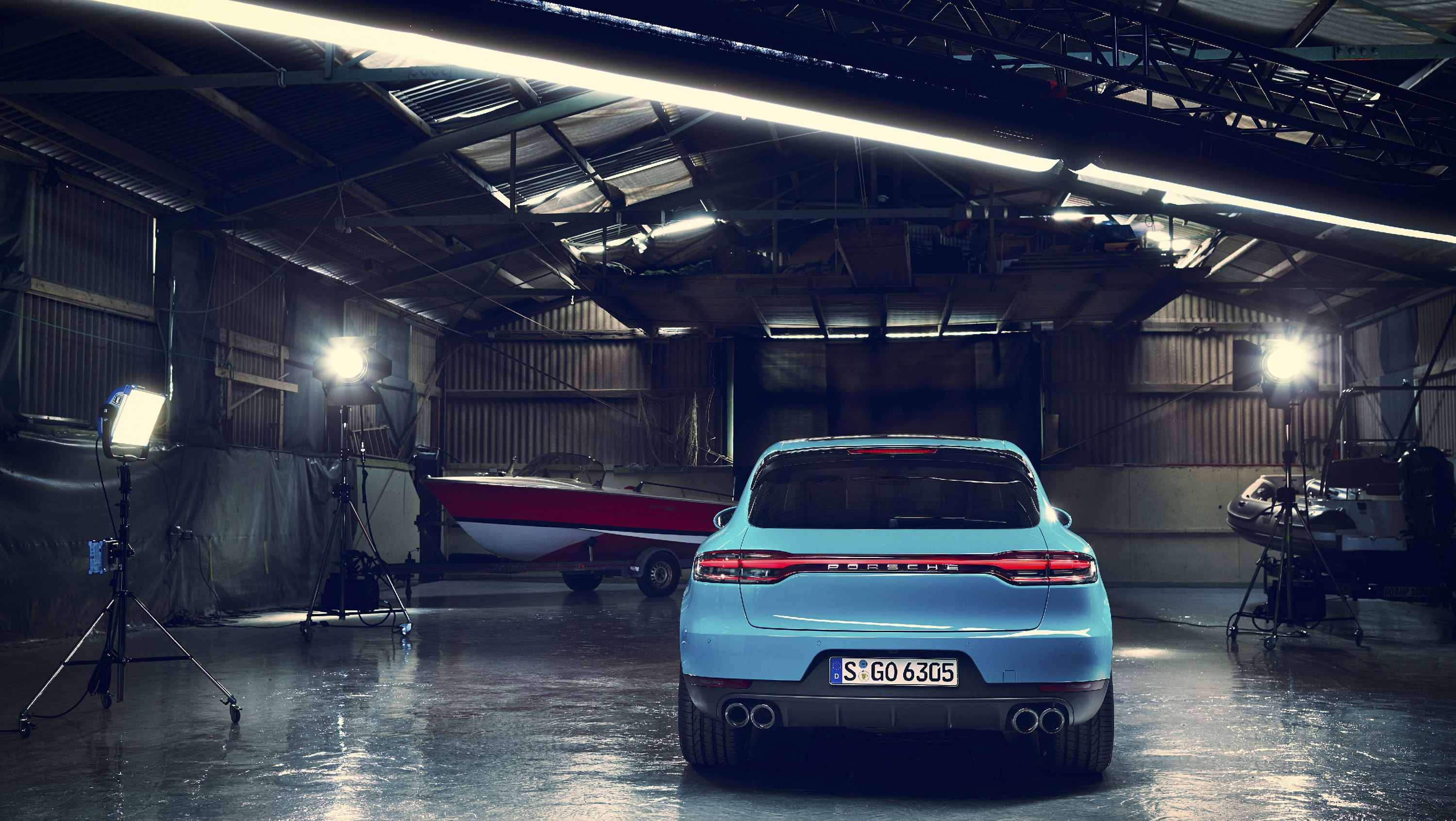 Porsche Macan Gains 911 Looks More Equipment Top Speed Brera New Small Circle Blue
