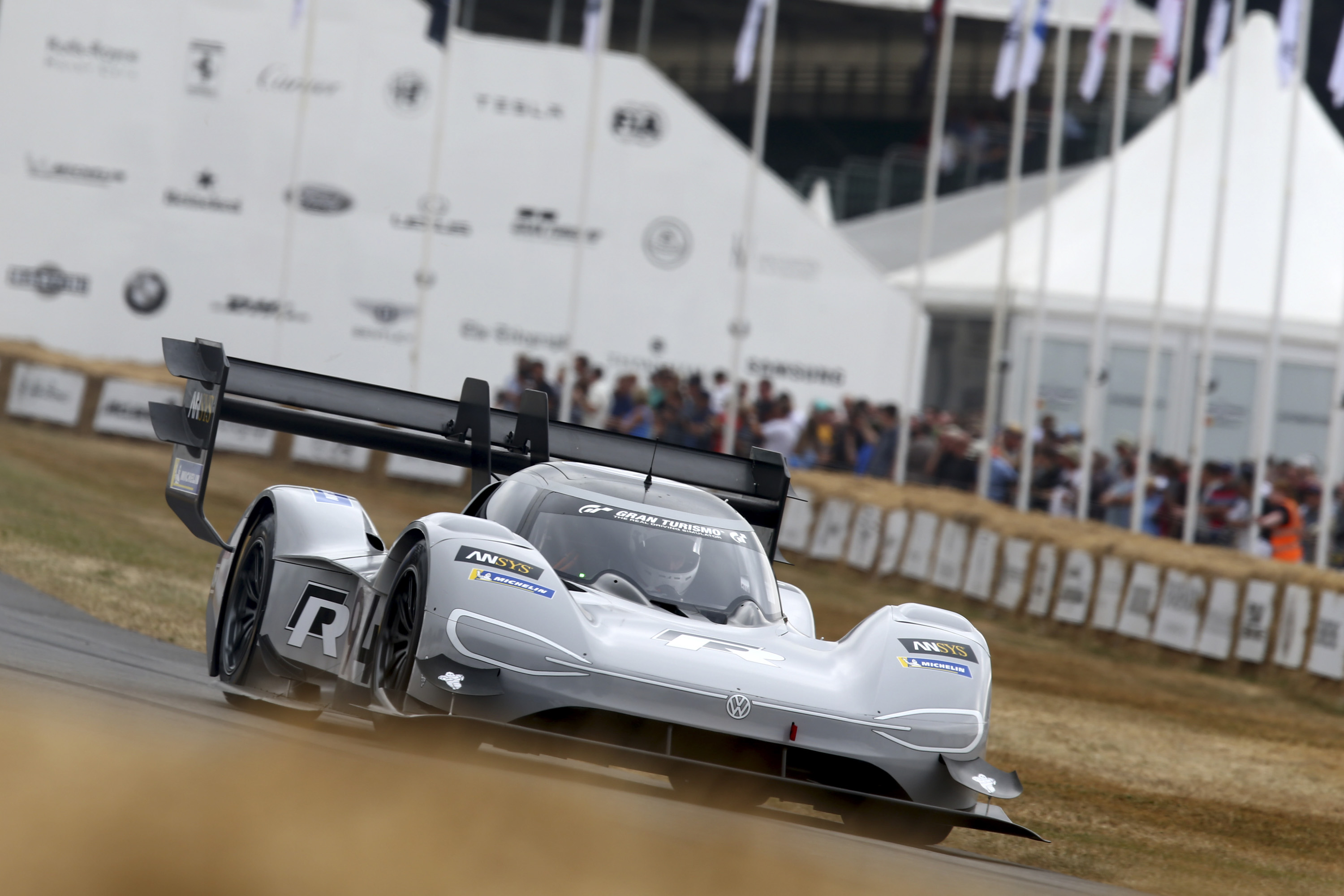 Volkswagen I D R Pikes Peak Breaks Electric Record At Goodwood FOS