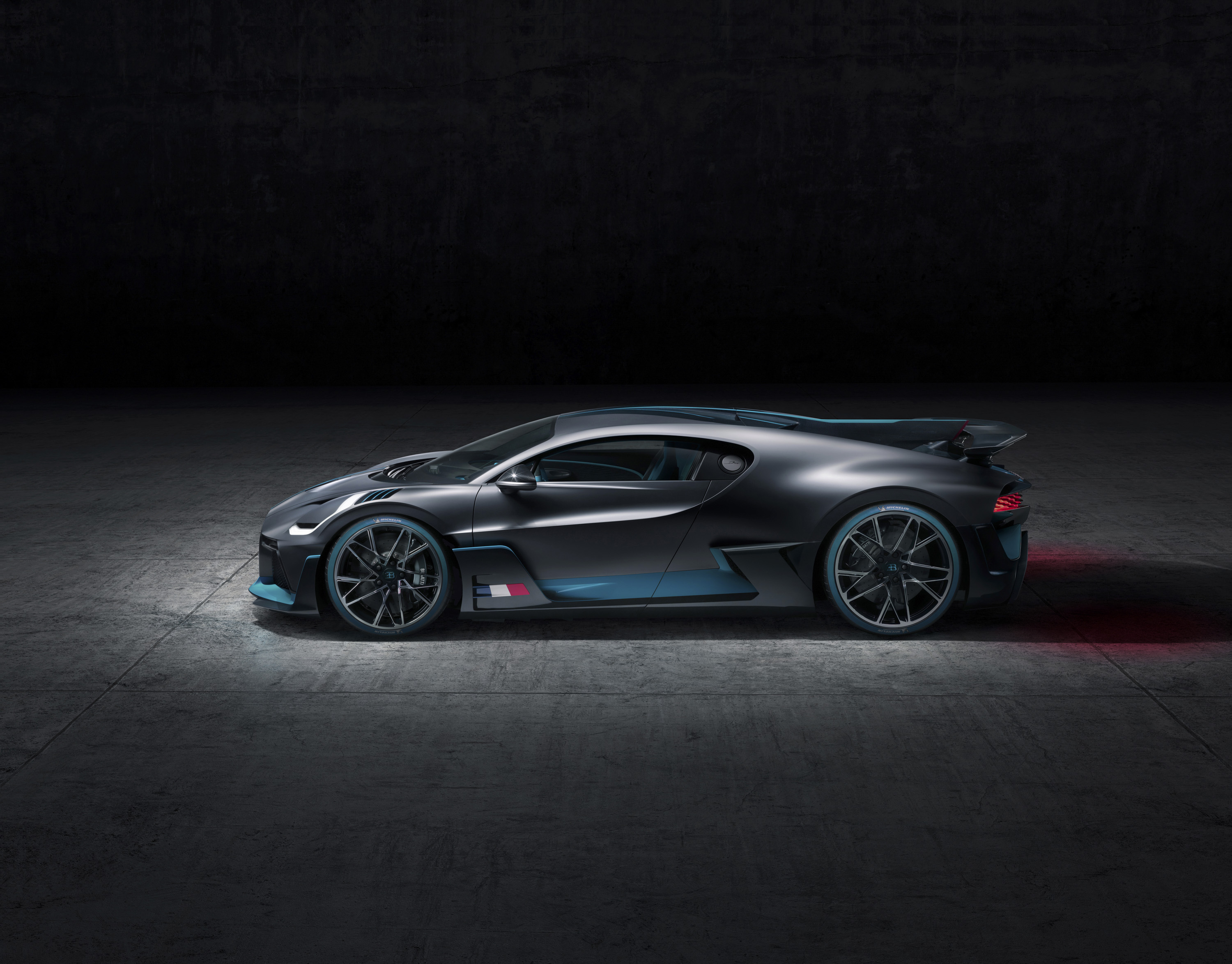 2019 Bugatti Divo Top Speed Go Back Gt Gallery For Parallel Circuit Definition