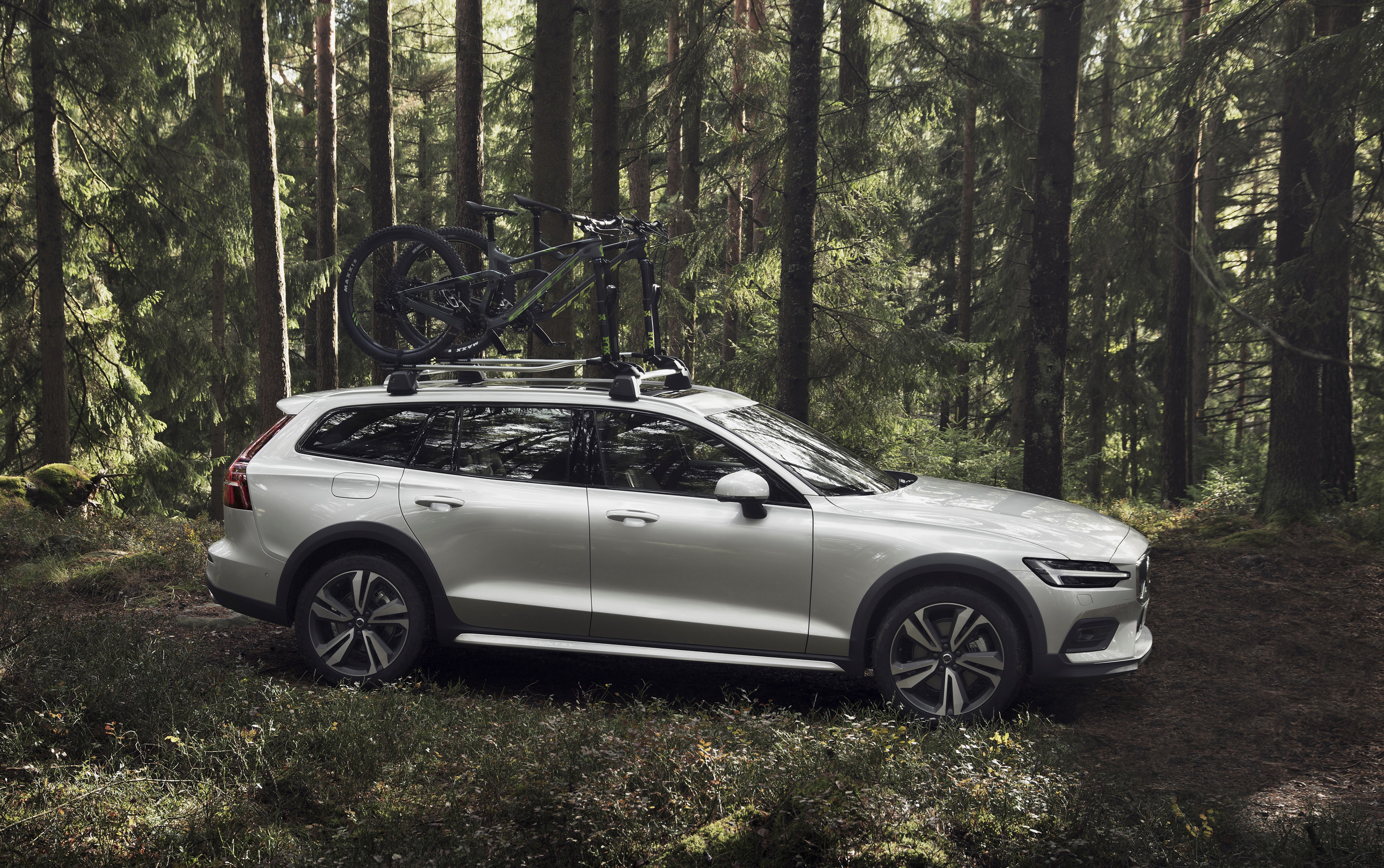 2019 Volvo V60 Cross Country Top Speed