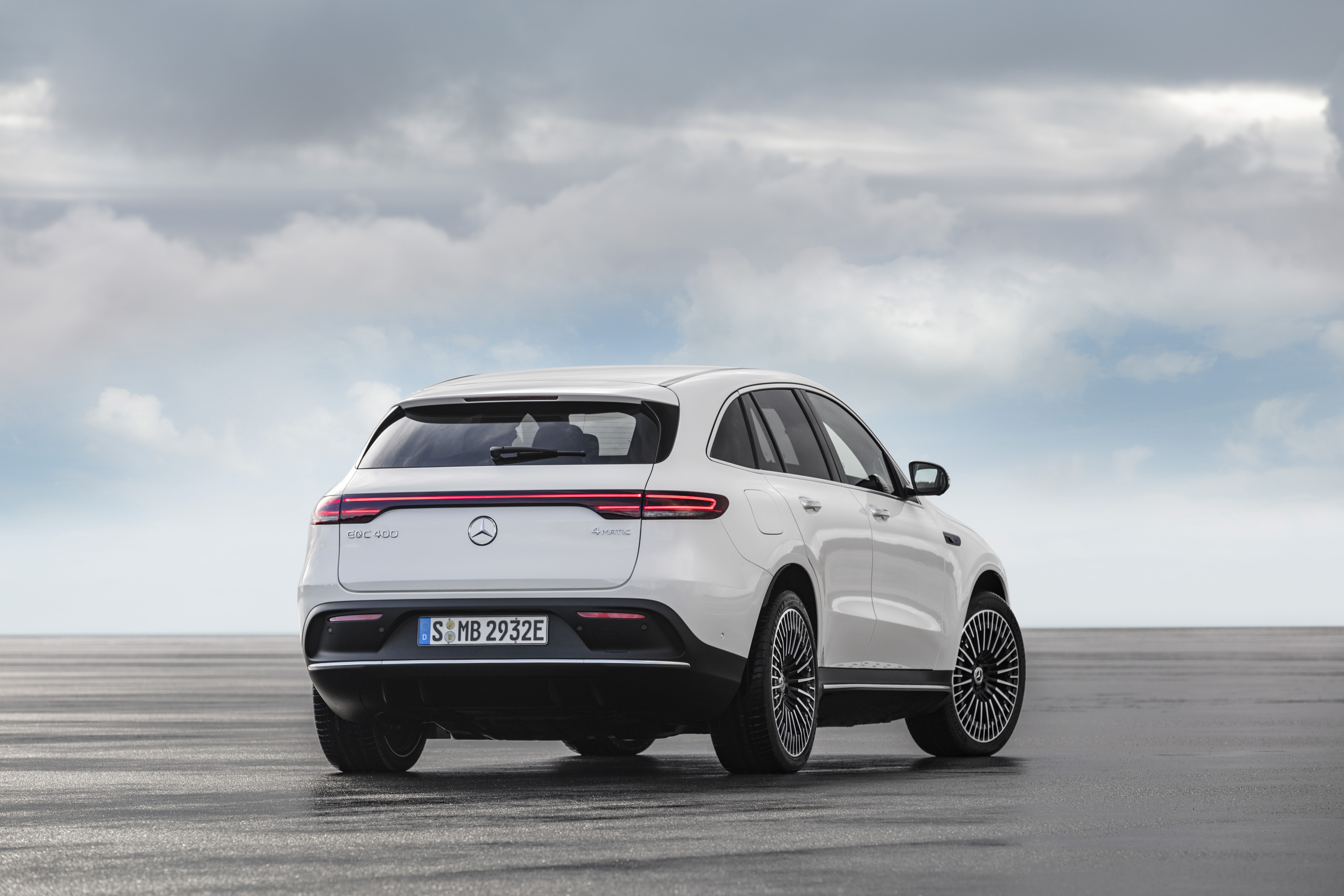 Love It Or Leave It The 2019 Mercedes Benz Eqc Top Speed