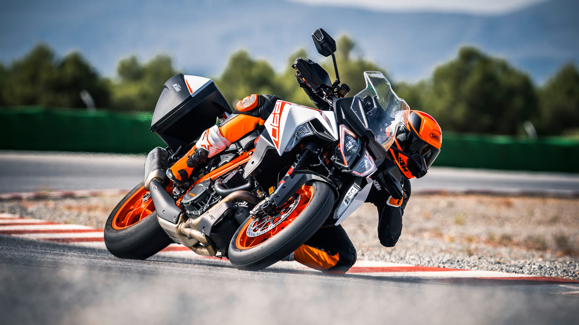 2019 Ktm 1290 Super Duke Gt Pictures Photos Wallpapers