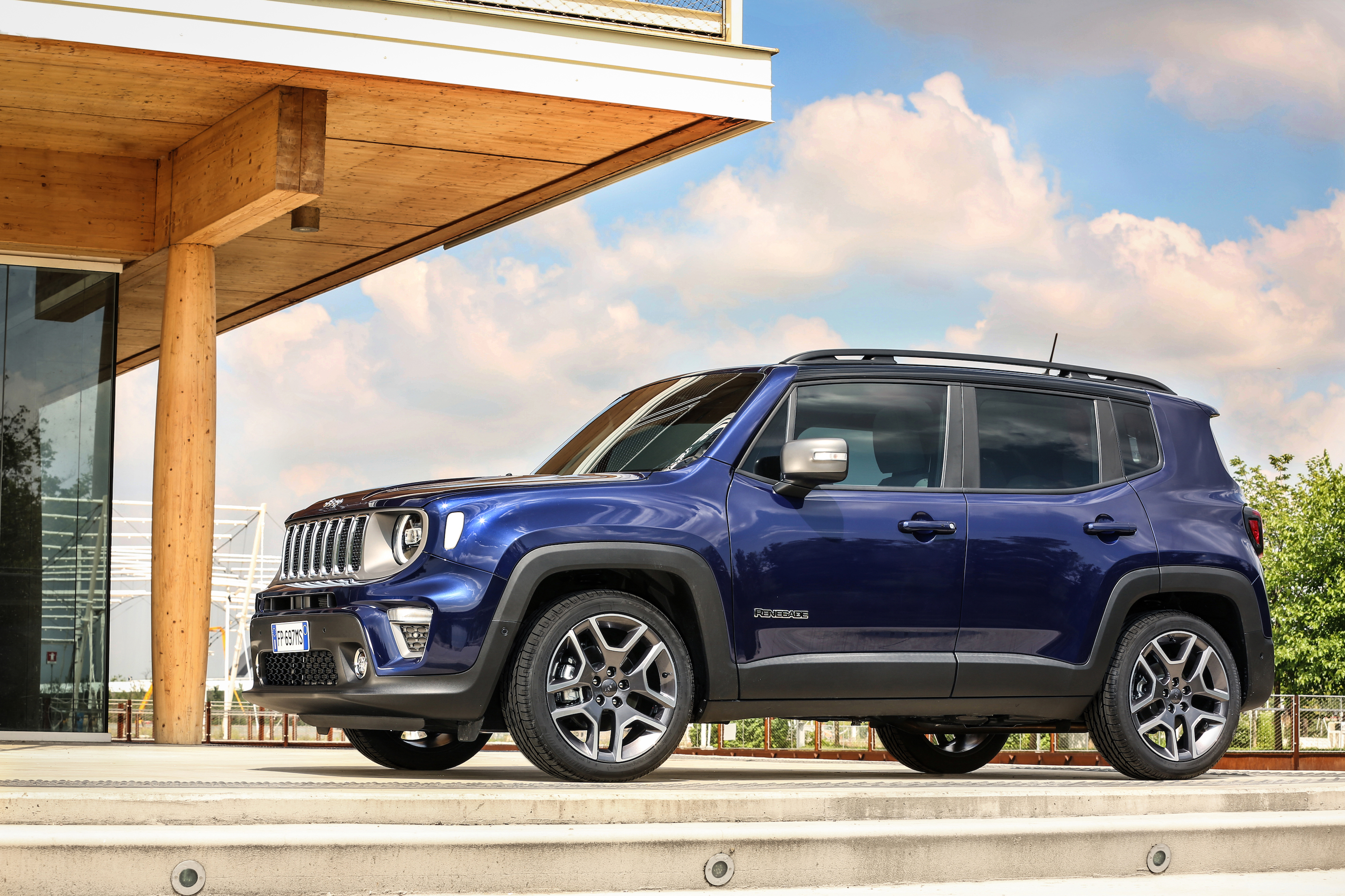 2020 Jeep Renegade: Changes, Plug-in Hybrid, Release >> Jeep Renegade To Get A Plug In Version By 2020 Top Speed