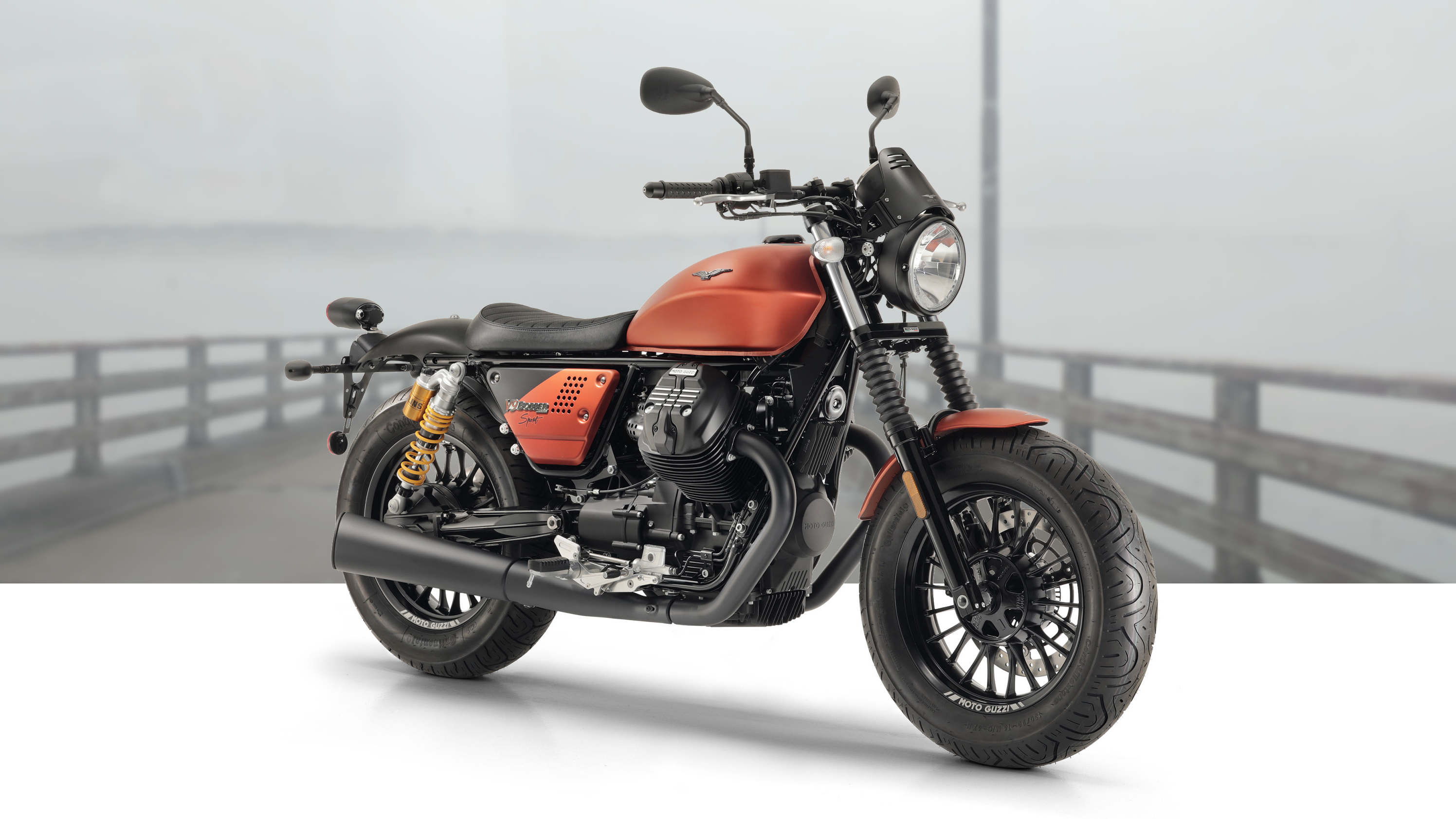 2019 moto guzzi v9 bobber sport pictures photos. Black Bedroom Furniture Sets. Home Design Ideas