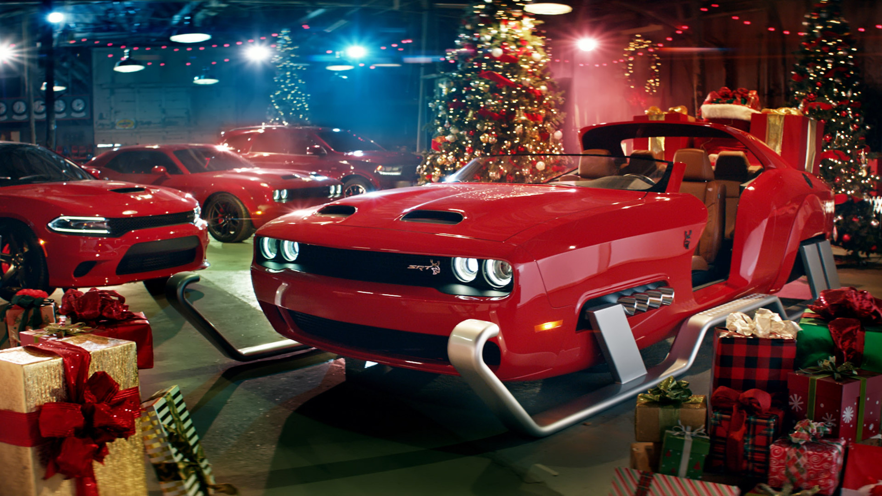 Dodge Preps For Xmas With Challenger Srt Hellcat Redeye Sleigh Top