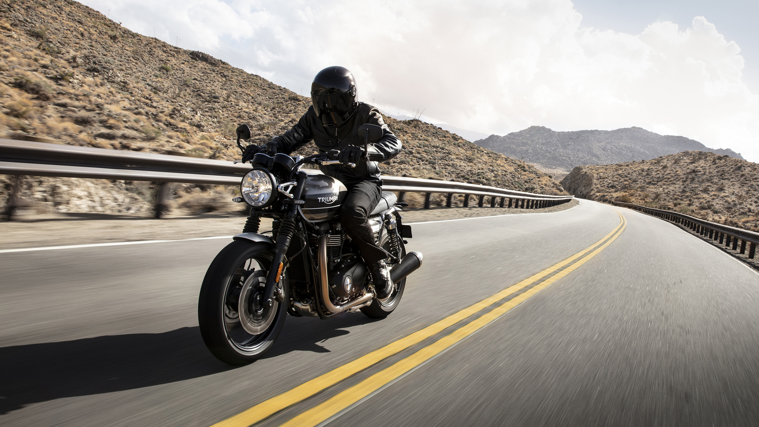 2019 Triumph Speed Twin Pictures, Photos, Wallpapers