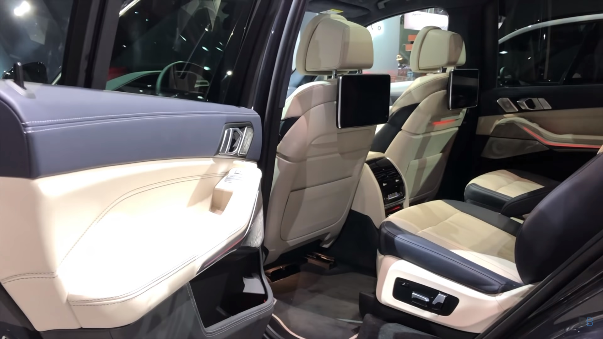 Check Out This Nice Demo Of The 2019 Bmw X7 S Third Row