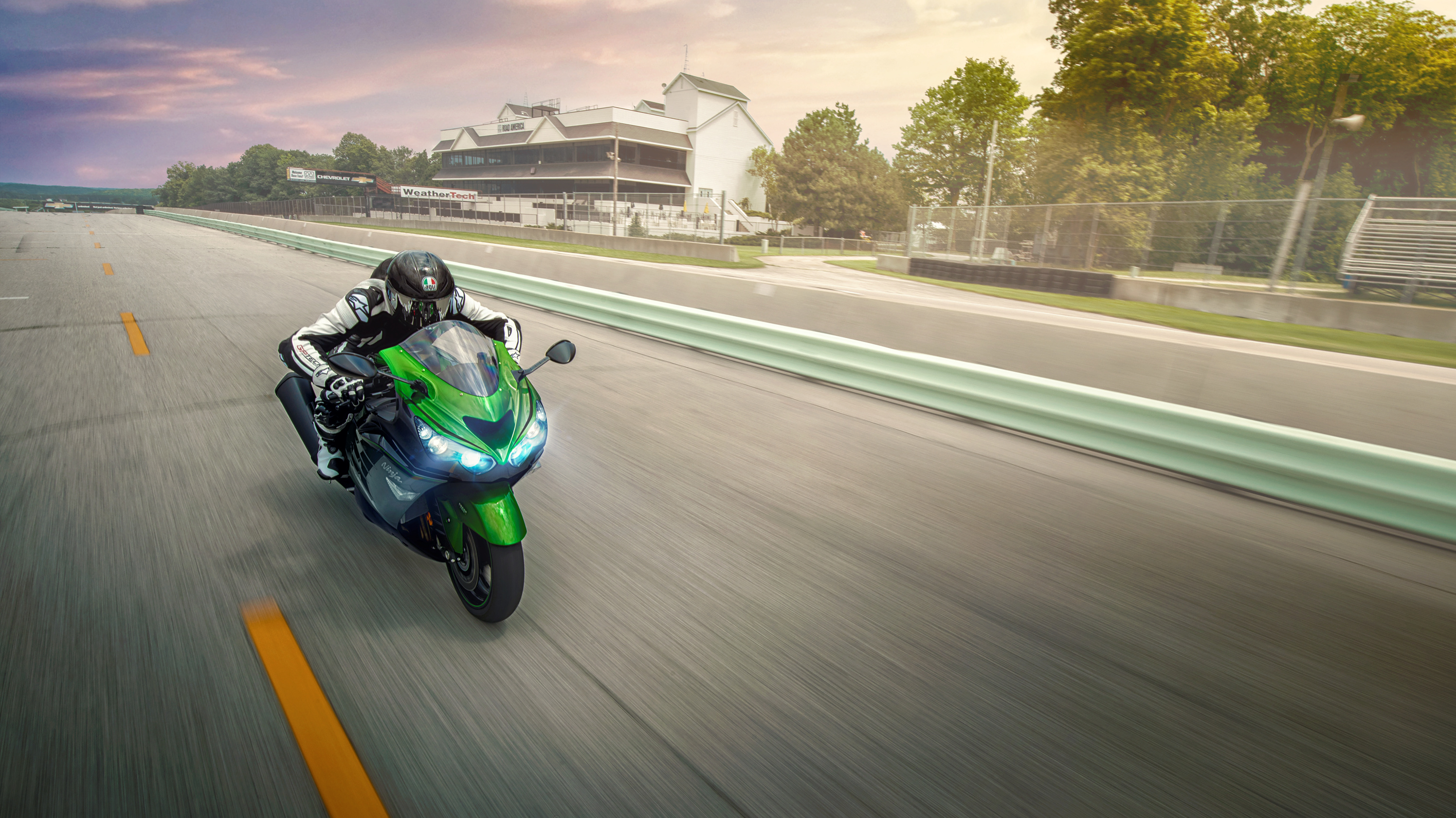 2015 - 2019 Kawasaki Ninja ZX-14R ABS | Top Speed