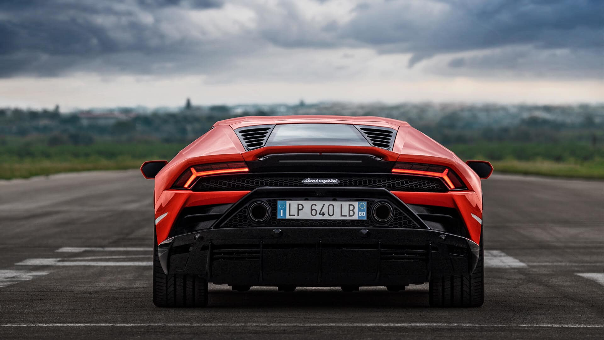 6 Must Know Facts About The 2019 Lamborghini Huracan Evo Top Speed