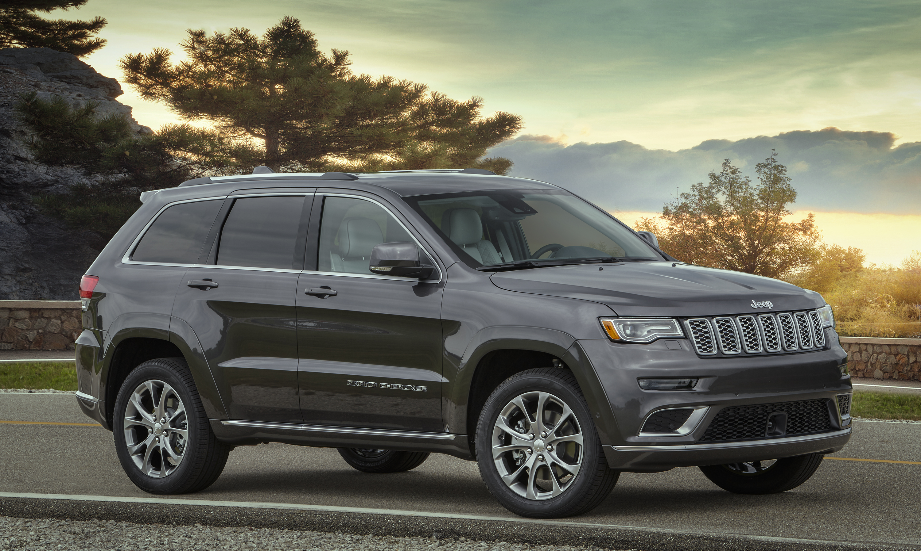 2020 Jeep Grand Cherokee USA Release Date, Spy Photos, Redesign >> 2020 Ford Explorer Vs 2019 Jeep Grand Cherokee Top Speed