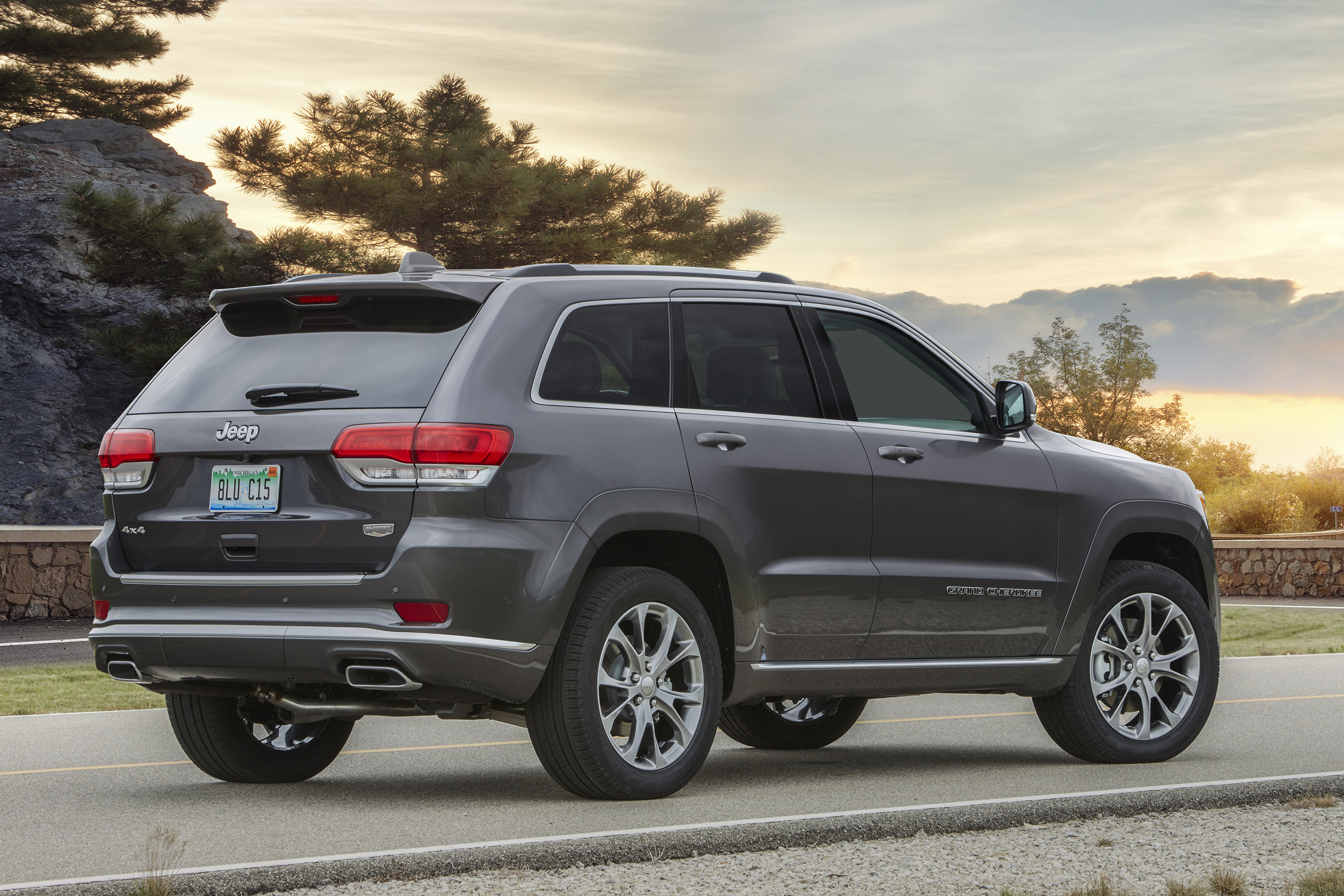 2020 Ford Explorer Vs 2019 Jeep Grand Cherokee Top Speed