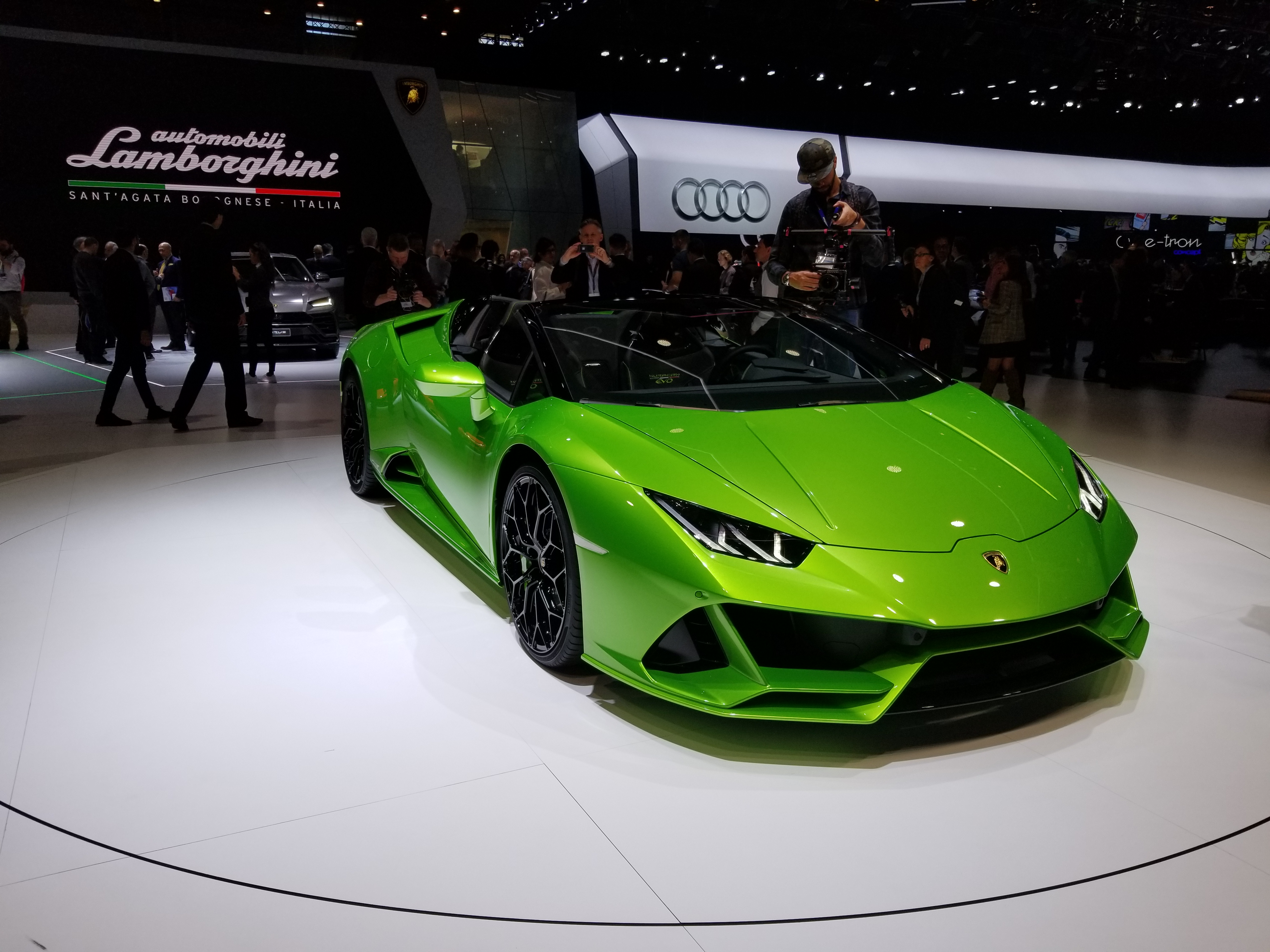 Lamborghini Huracan Evo Spyder Spices Up Lambo S Open Top Onslaught
