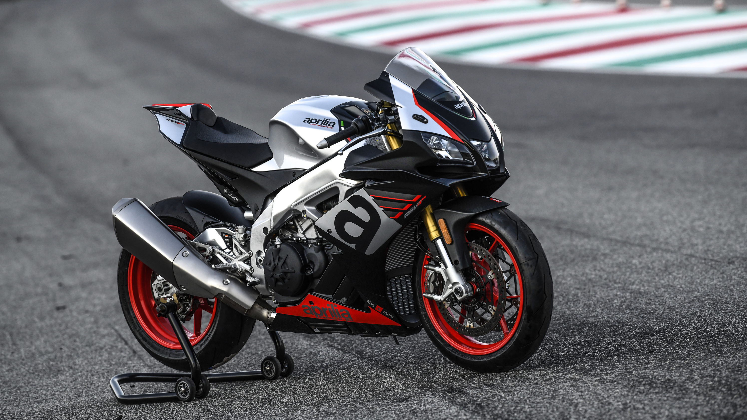 2019 Aprilia RSV4 RR Pictures, Photos, Wallpapers
