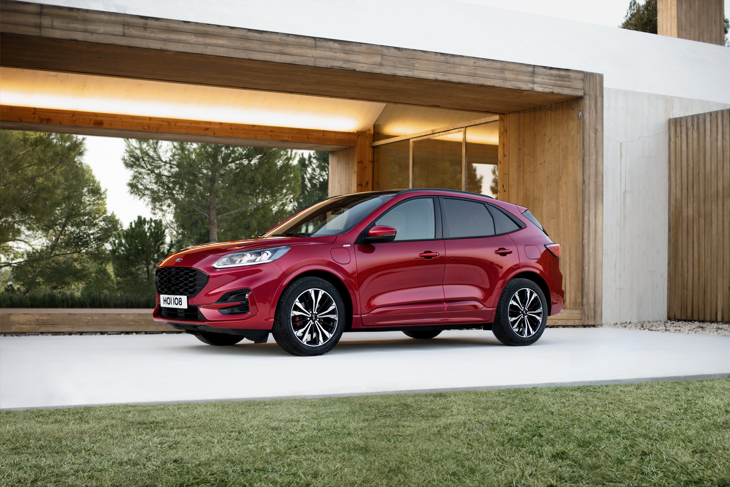 2020 Ford Kuga Hybrid Specs And Release Date >> 2020 Ford Kuga Revealed With Range Of Electrified Powertrain Options