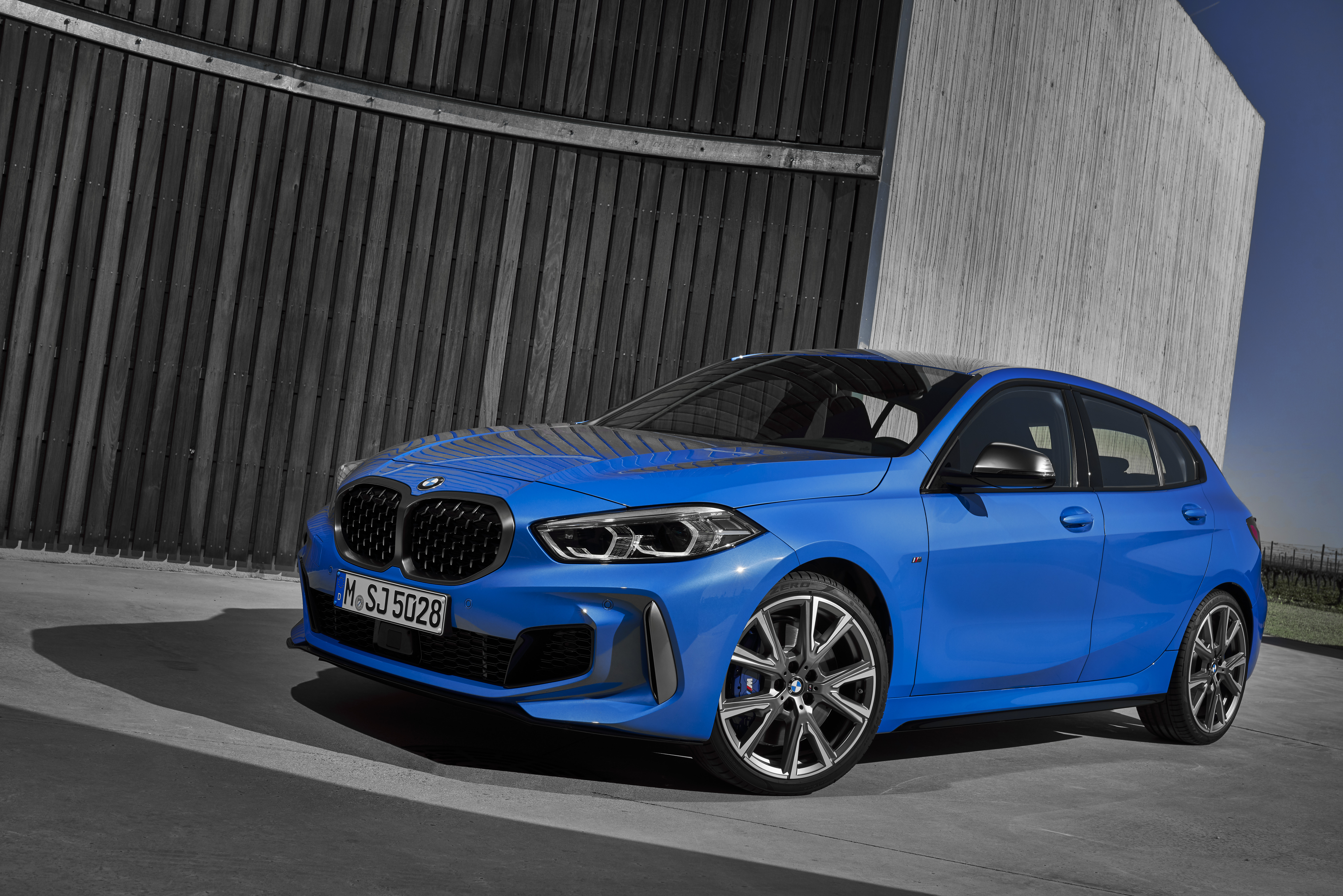 2020 Bmw 1 Series F40 Quirks And Facts Pictures Photos
